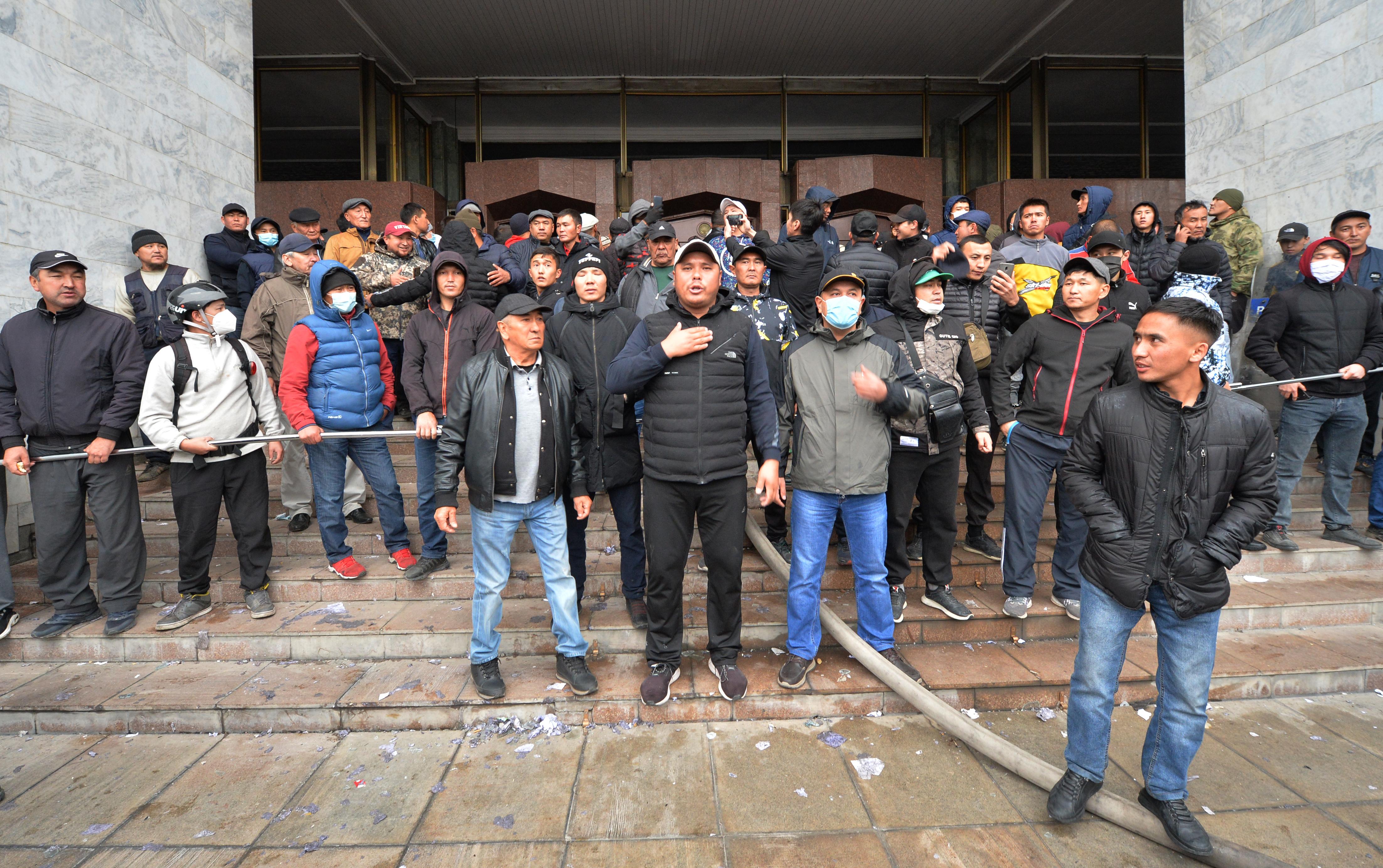 A kirgiz ellenzék bejelentette, hogy átvette a hatalmat