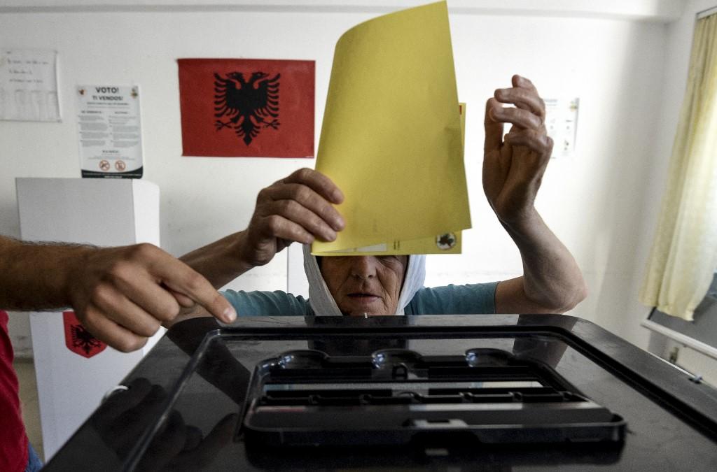 Betiltották az ellenzéki összefogást Albániában