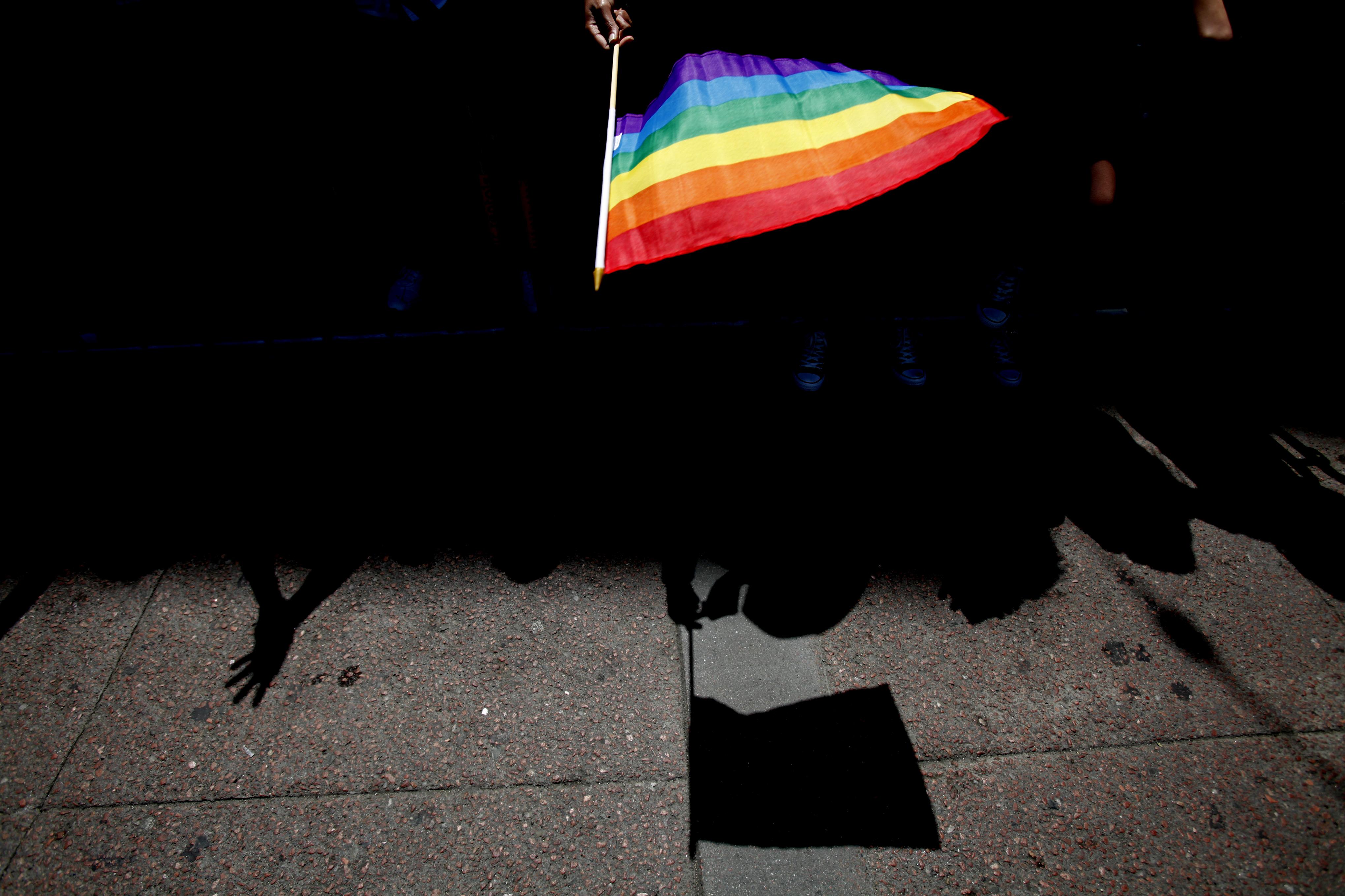Mostantól nem lehet kirakatba tenni a homoszexualitást