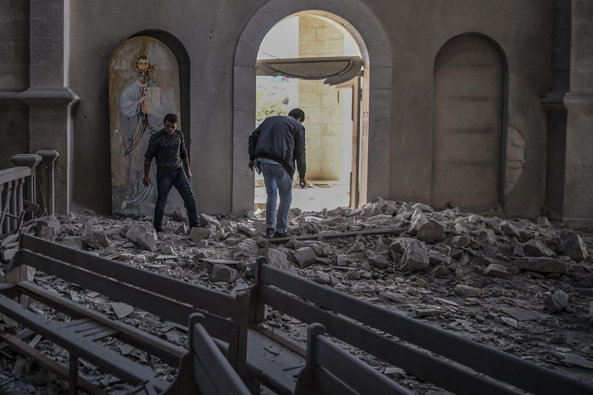 Az örmények felgyújtották a házaikat, mielőtt átadták a falujukat Azerbajdzsánnak