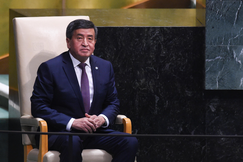 A kirgiz elnök bejelentette, hogy lemond, ha megalakul az új kormány