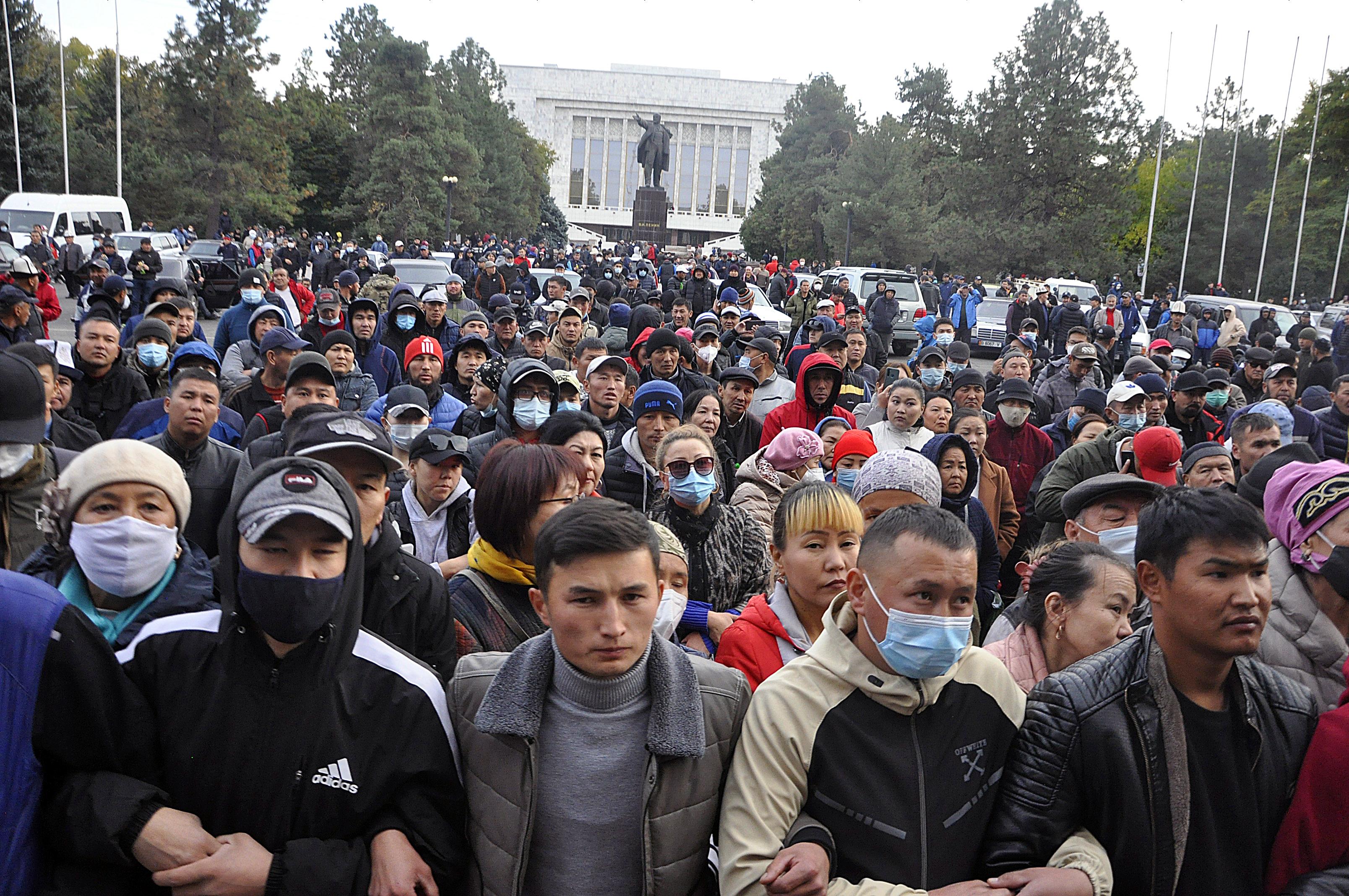 Megismétlik a parlamenti választásokat Kirgizisztánban