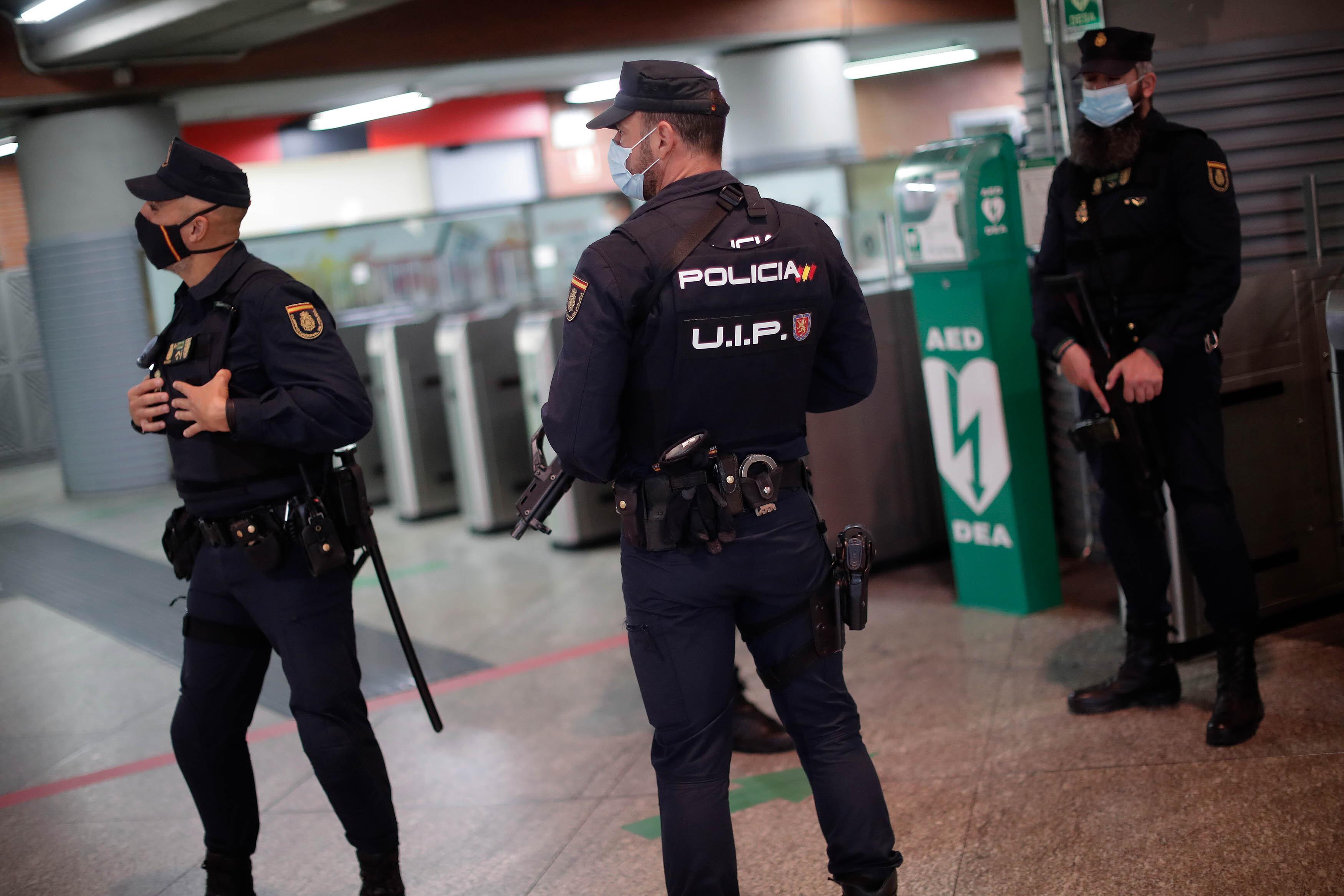 A spanyol kormány szükségállapotot rendelt el a madridi régió kilenc városában