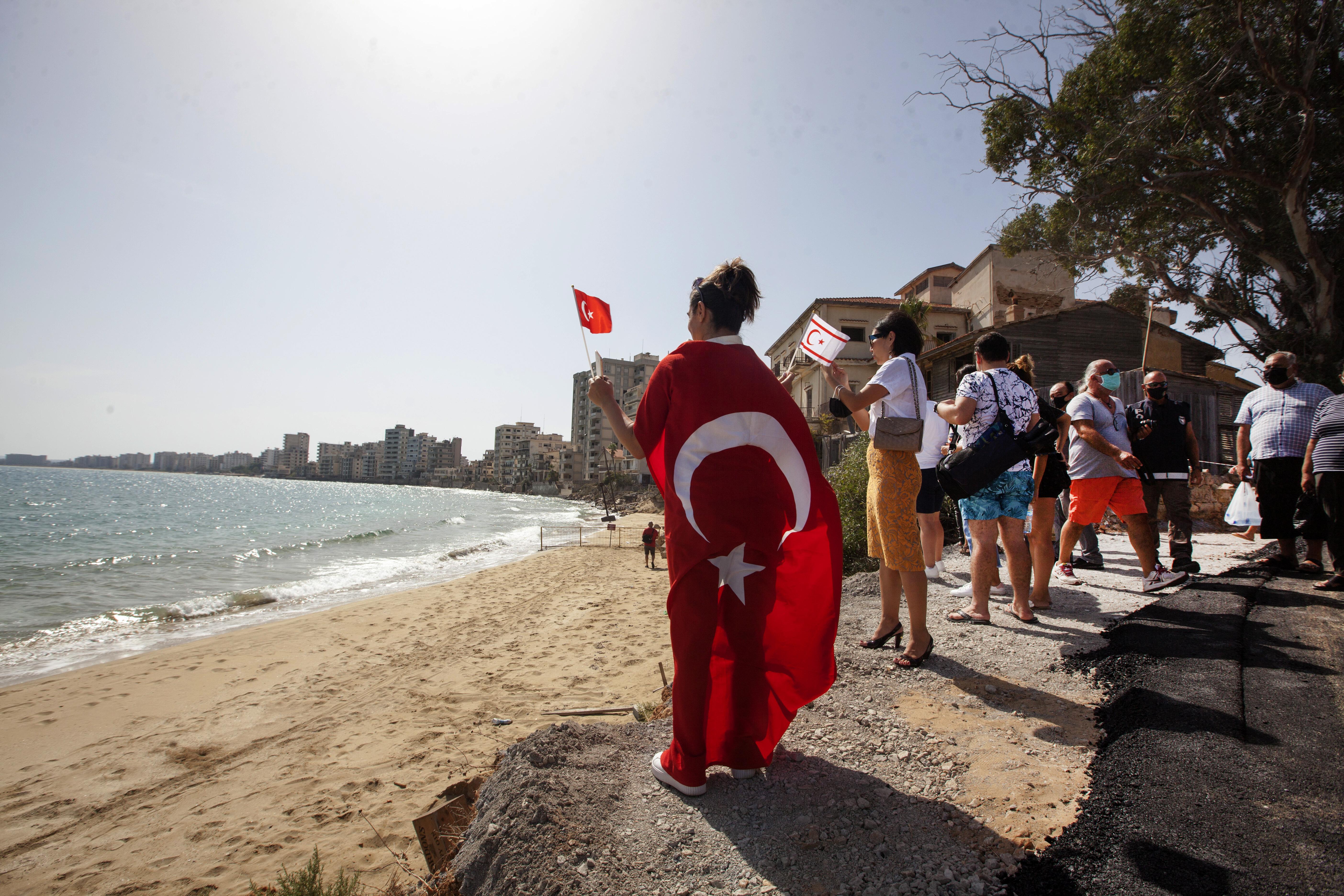 A törökök 46 év után megnyitották Ciprus híres kísértetvárosát