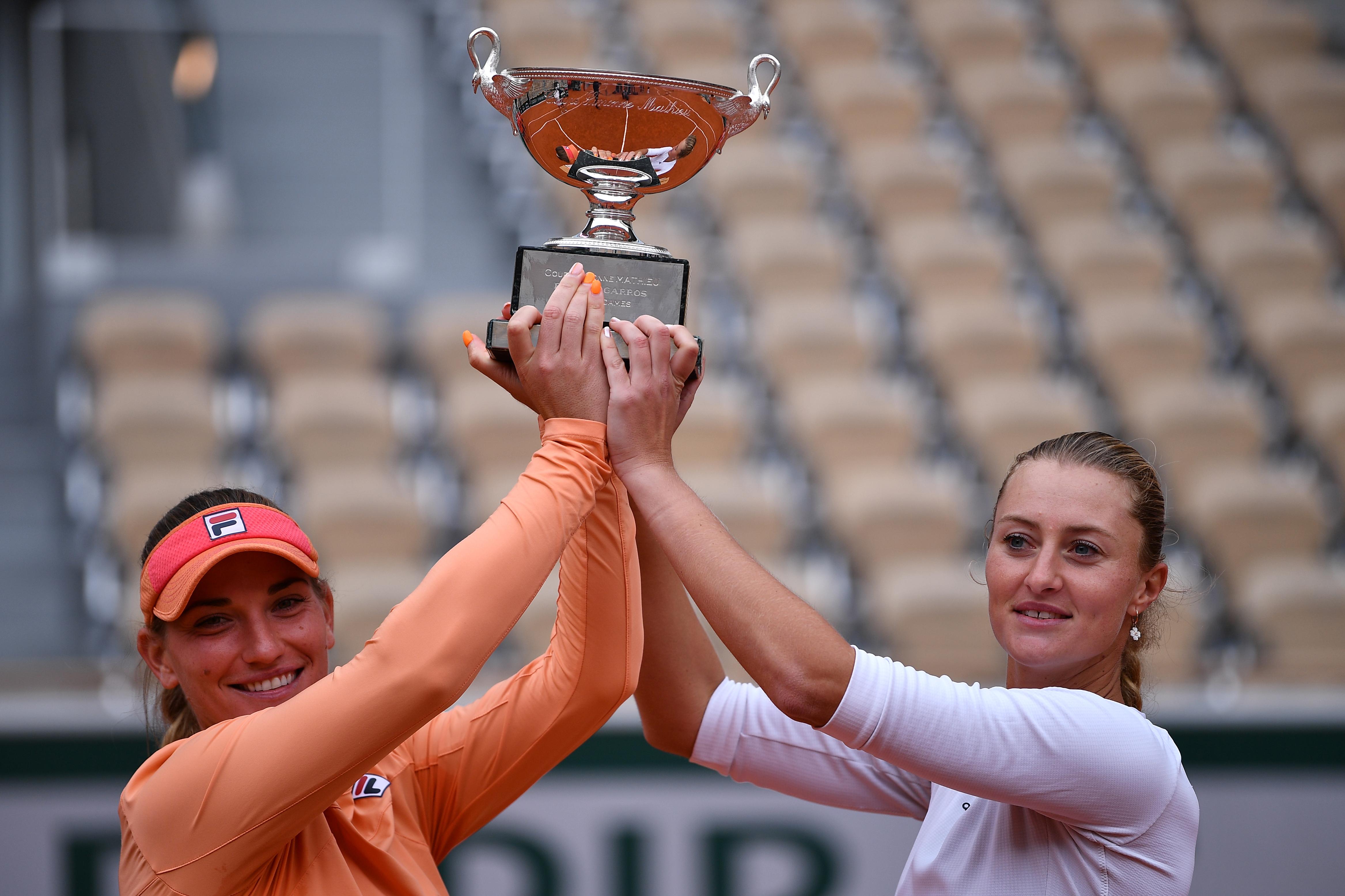 Babos és Mladenovic győzött a Roland Garroson