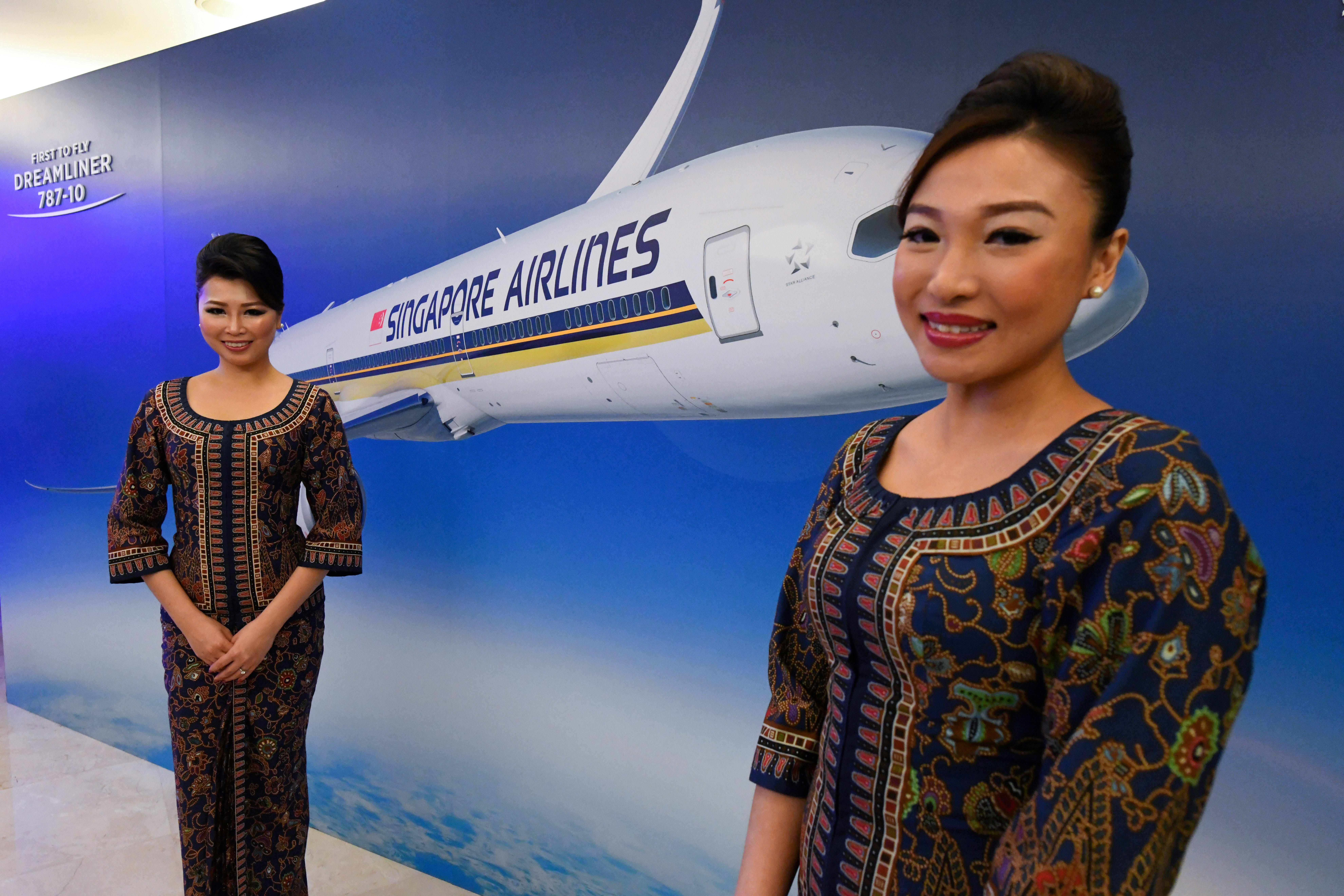 Enni és filmet nézni lehetett a szingapúri légitársaság álló repülőjén, pillanatok alatt elfogytak a jegyek
