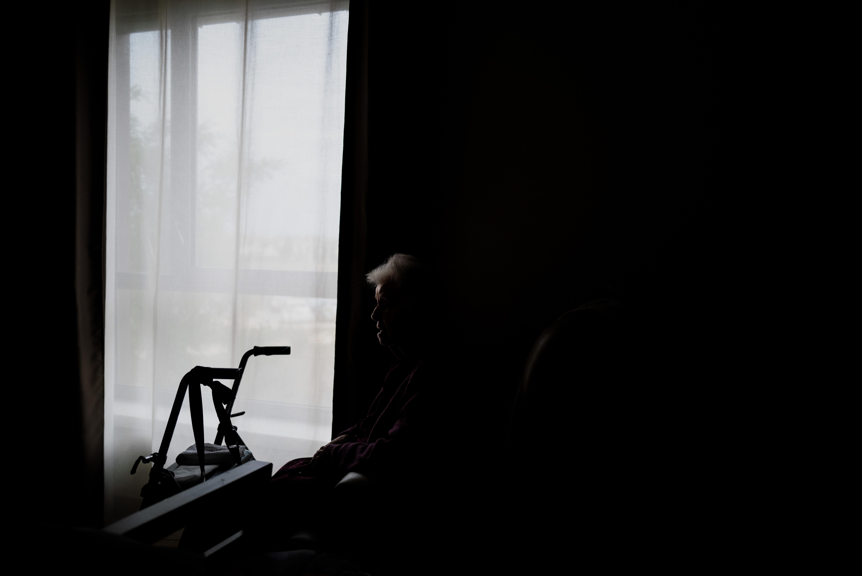 Koronás ápoló dolgozhat, de ha rühös lesz, a teljes táppénz már nem jár neki