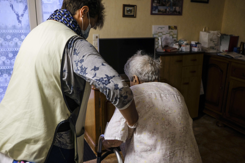 Feloldották a teljes tilalmat, lehet már látogatni az idősotthonokat