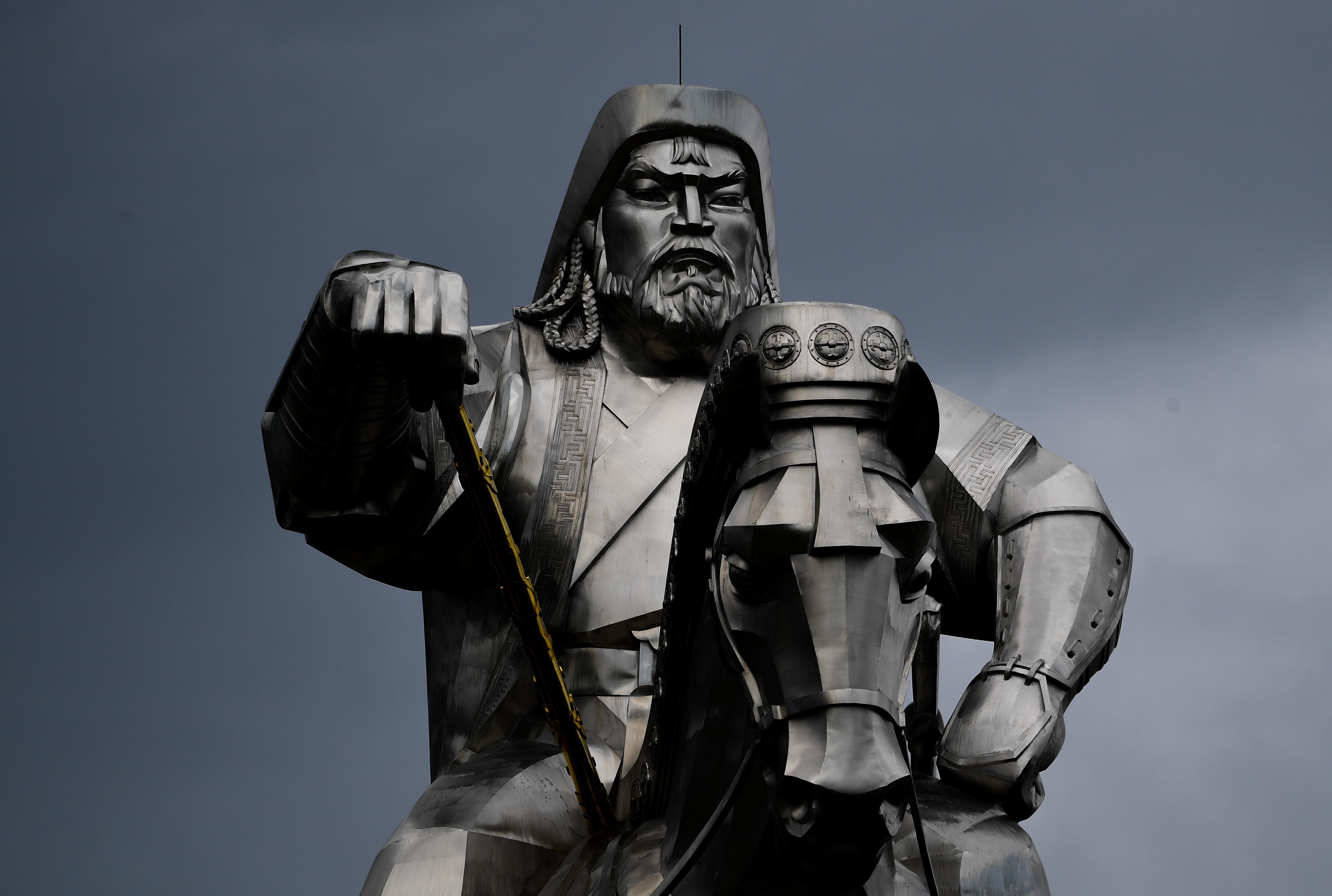 A kínai kormány tiltakozott, hogy egy Dzsingisz Kánról szóló kiállításon használni akarták Dzsingisz Kán nevét