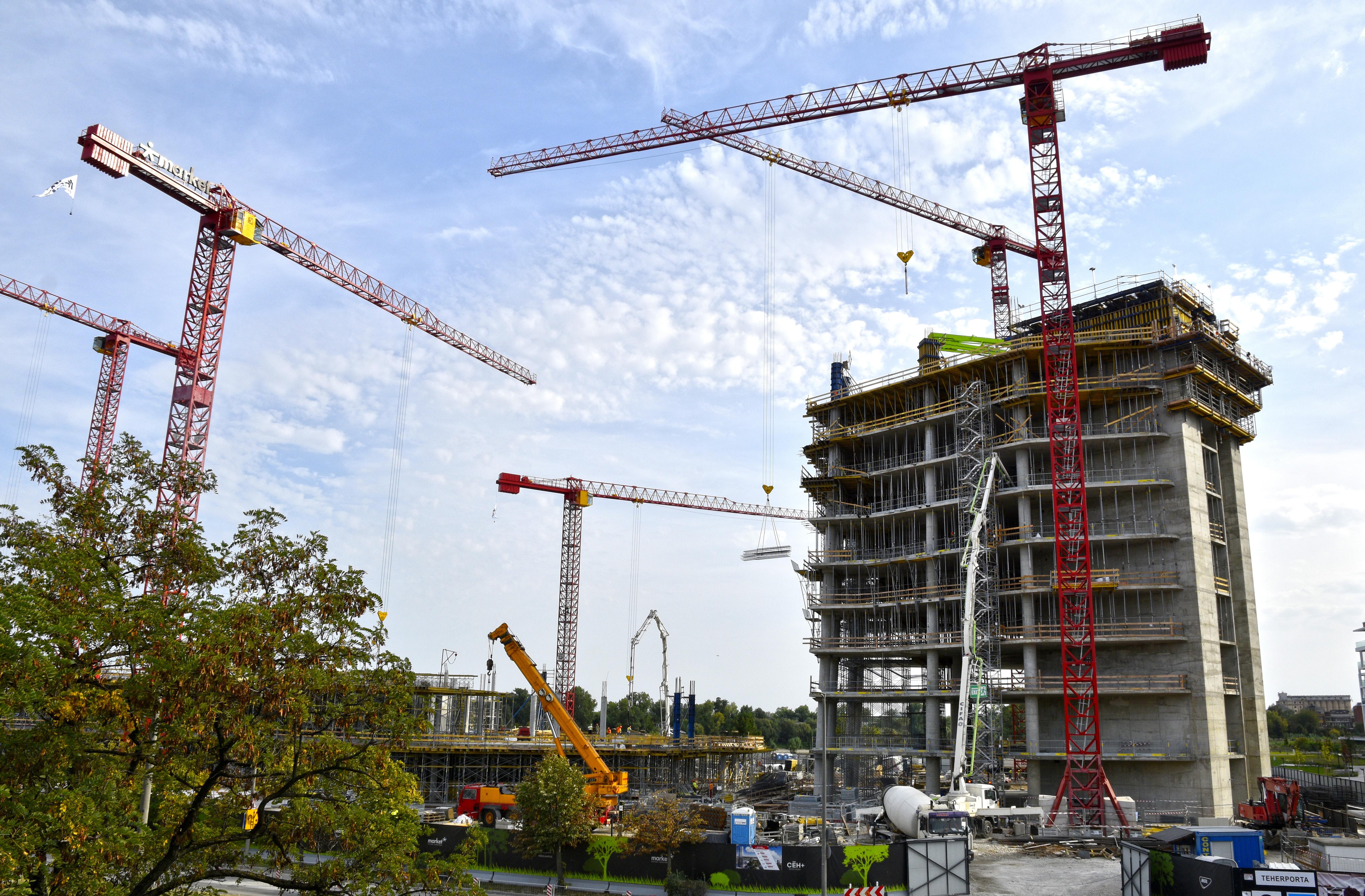 17 százalékkal kevesebb ház épült augusztusban, mint egy évvel korábban