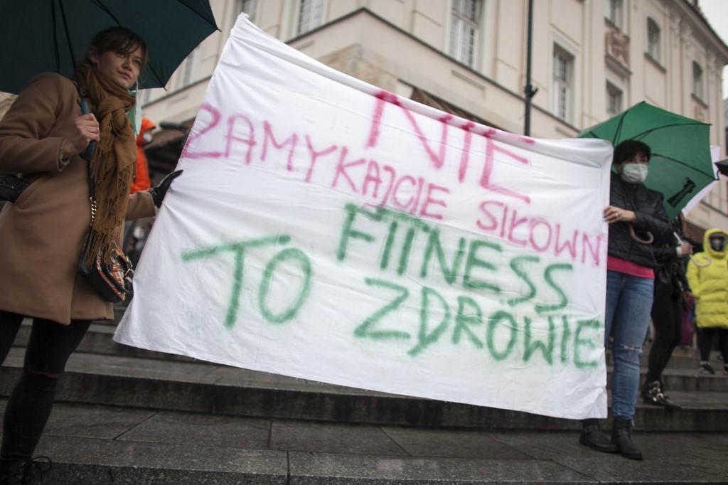 Templomként működik tovább egy lengyel konditerem a járványügyi korlátozás elleni ironikus tiltakozásból