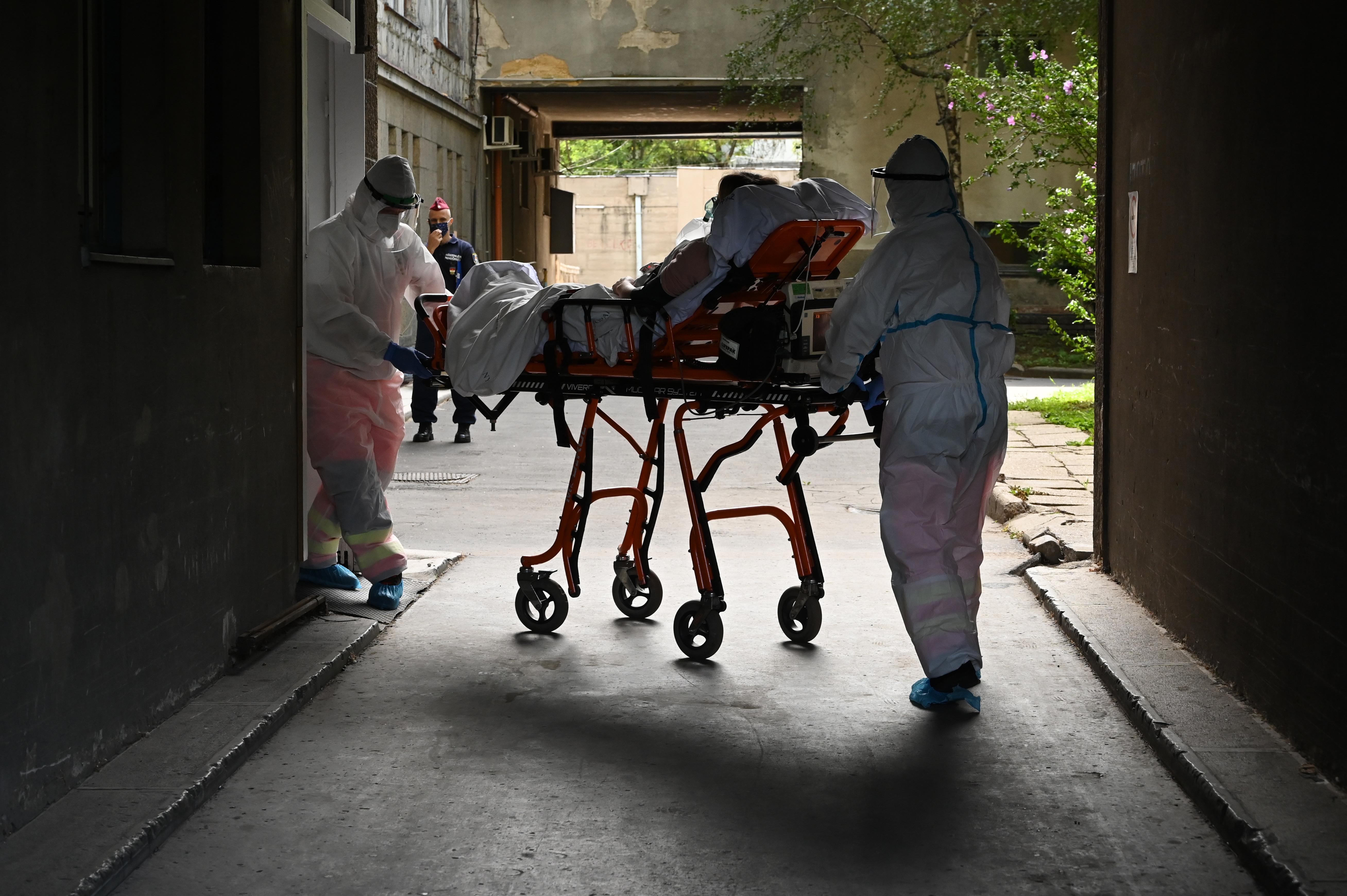 Koronavírus: 31 újabb áldozat, 1896-an vannak kórházban