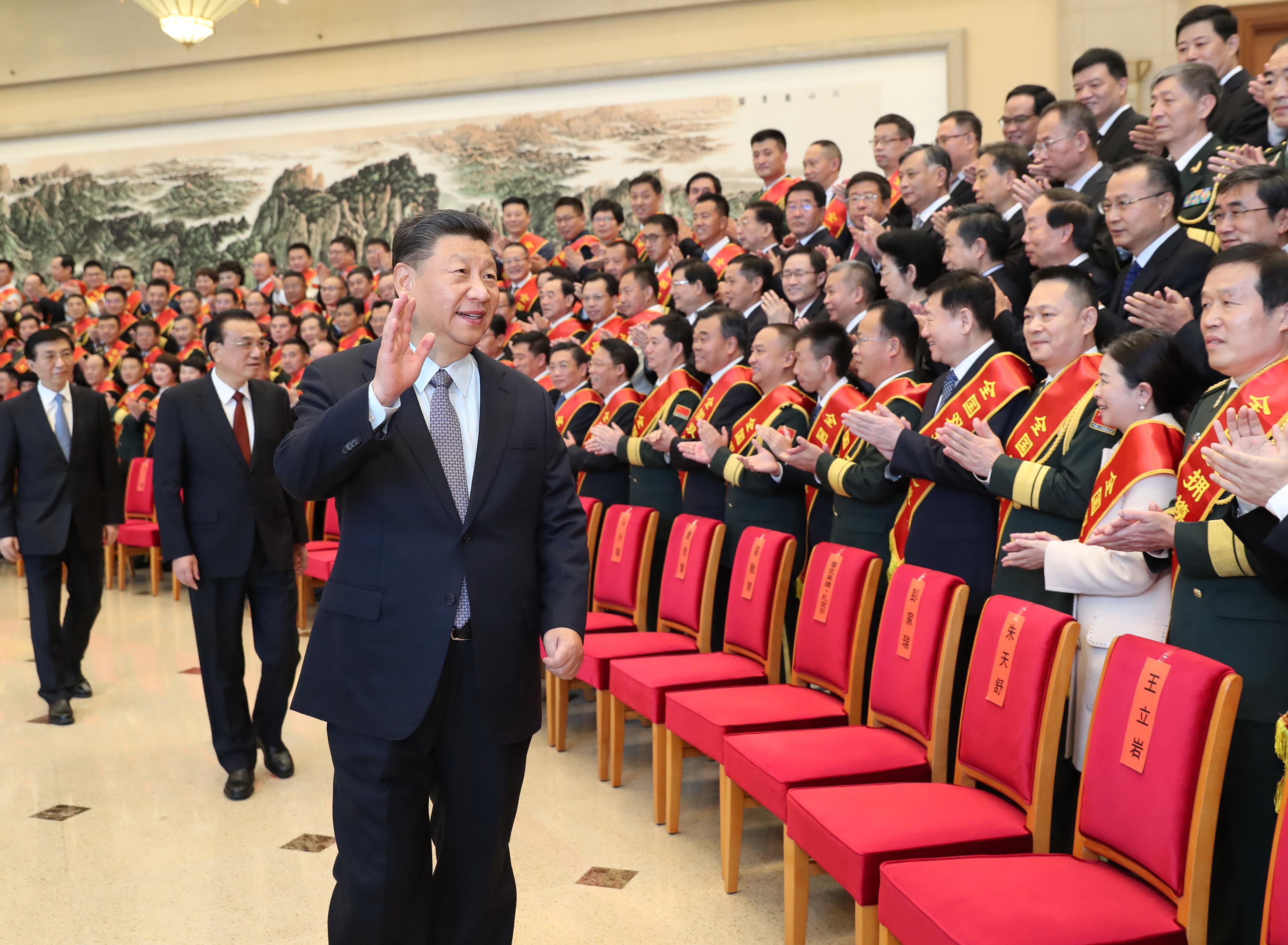 Hszi Csin-ping: Kína felgyorsítja a katonai modernizációját
