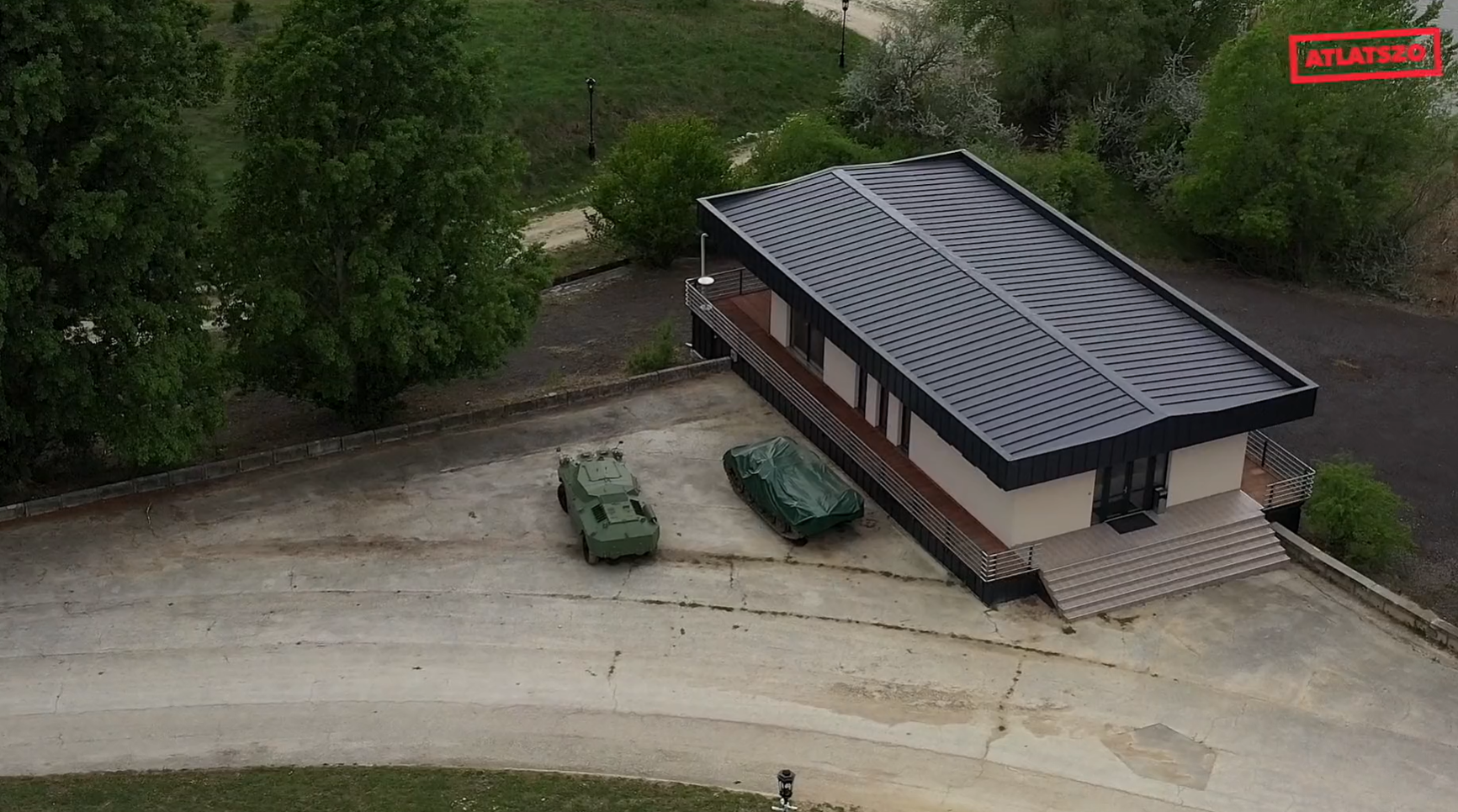 Tiltott adatszerzés gyanúja miatt nyomoz a rendőrség, miután az Átlátszó drónnal repült be Mészáros Lőrinc bicskei birtoka fölé