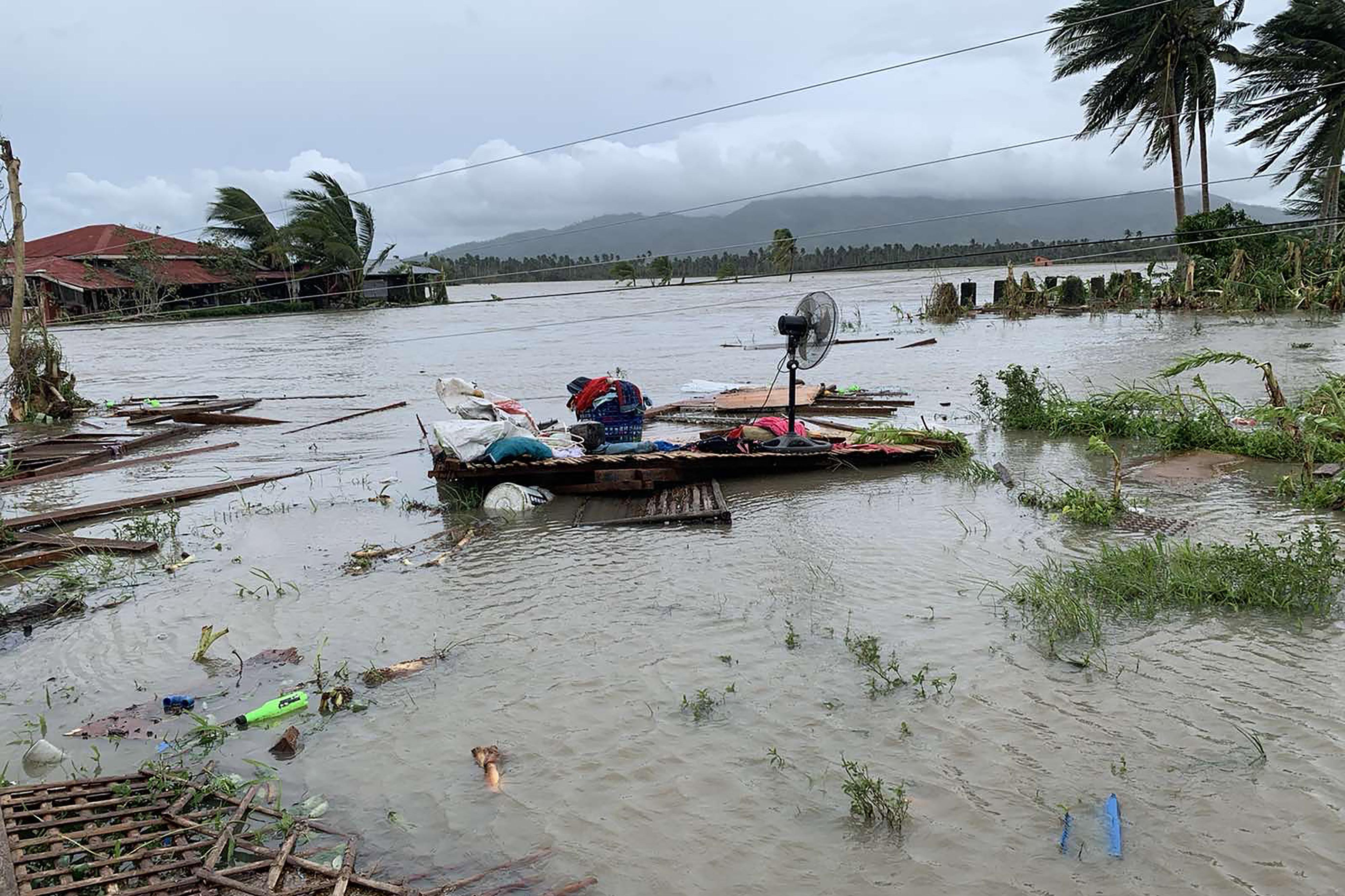 170 km/h-ás széllökésekkel söpört végig a Fülöp-szigeteken a Molave tájfun