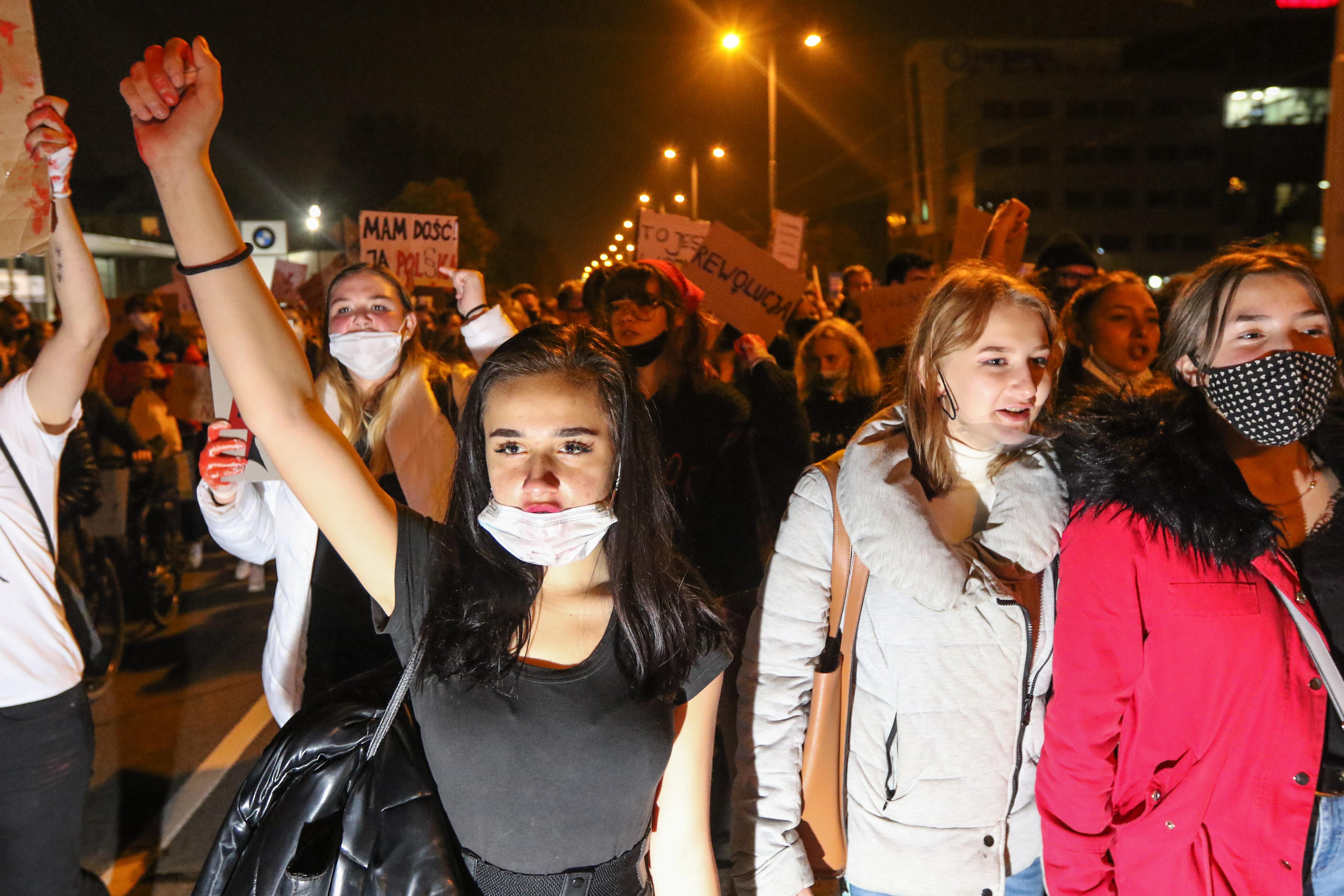 Még az előre lefoglalt időpontra abortuszra érkező nőket is elhajtják a lengyel klinkák