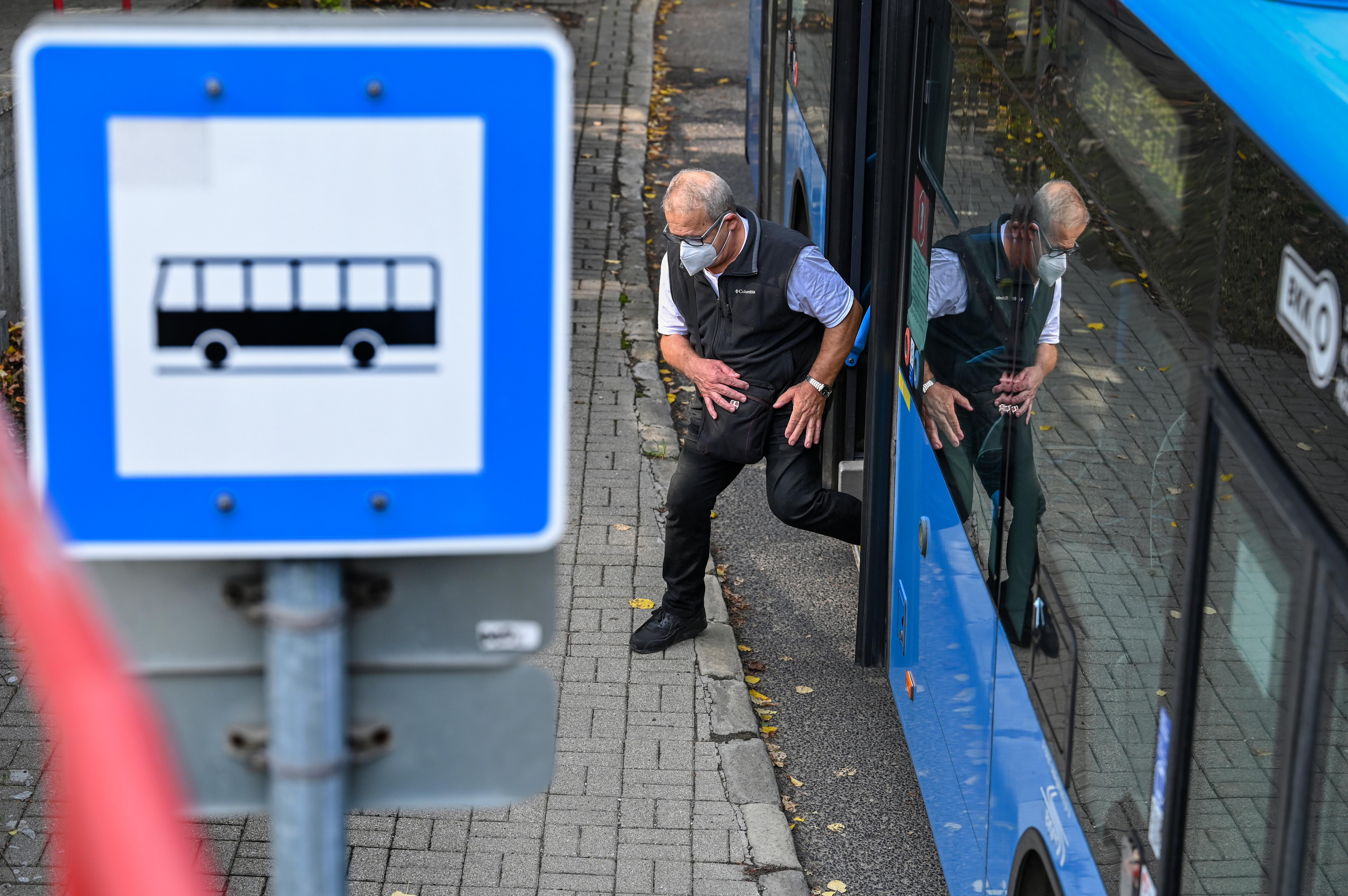 A BKK sűríti járatait, péntektől az éjszakai buszok új menetrend szerint közlekednek