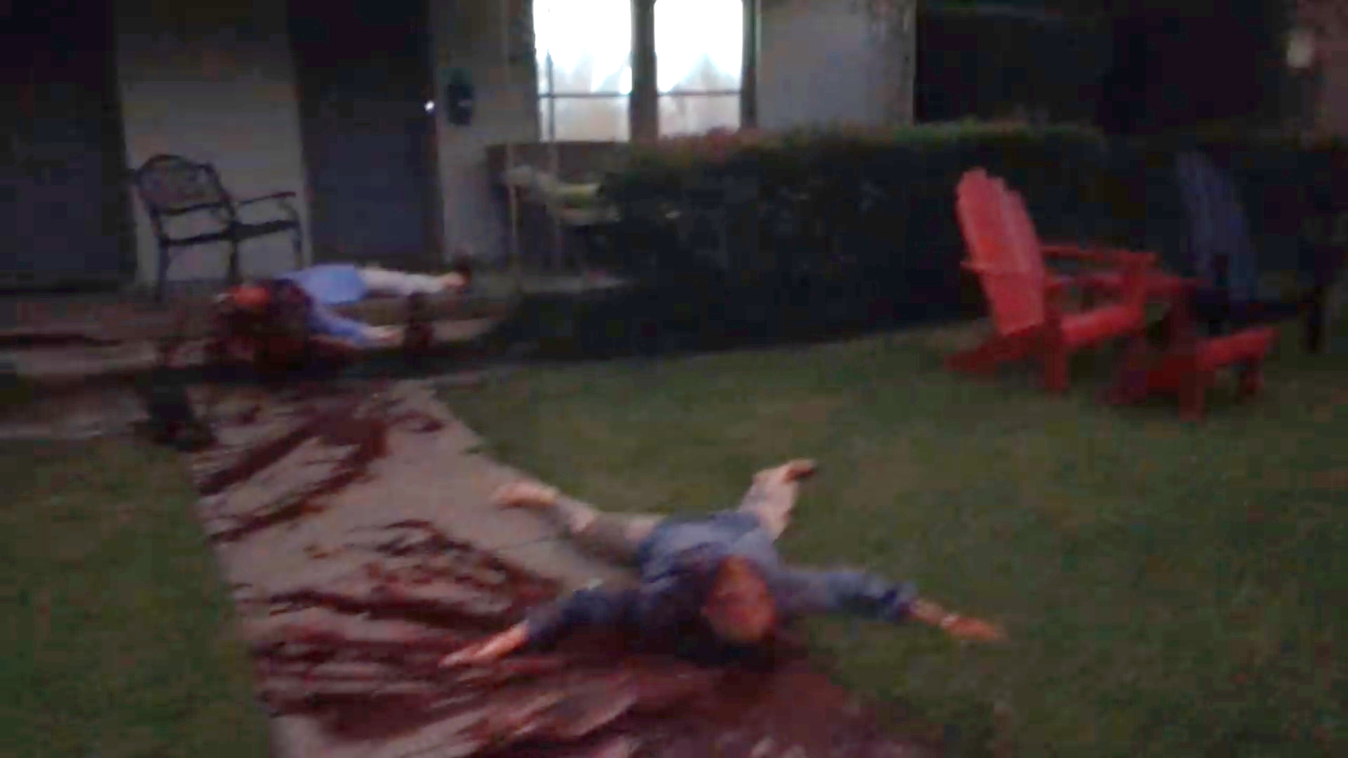 Annyira véres lett egy dallasi ház halloweeni dekorációja, hogy többször riasztották miatta a rendőröket