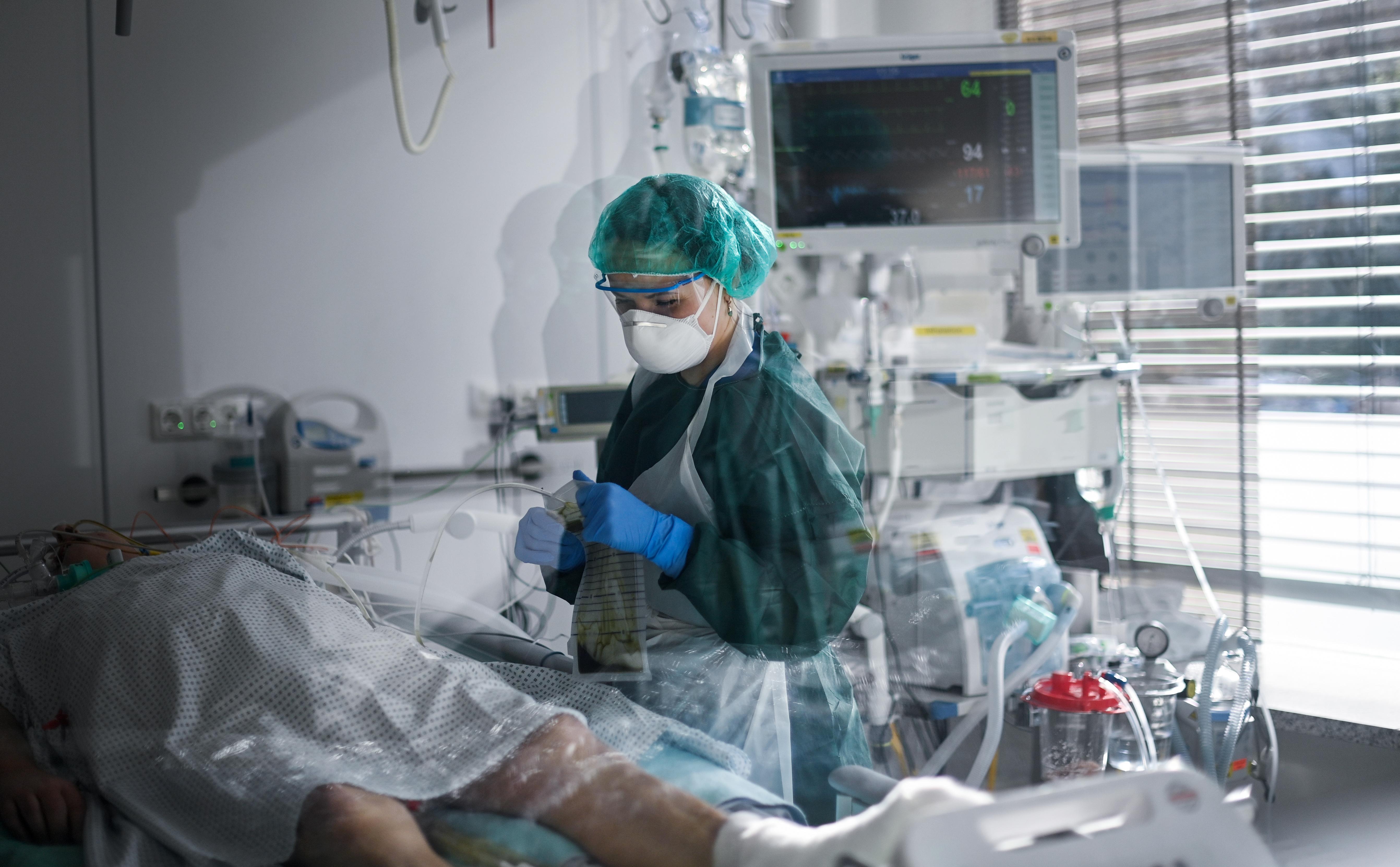 Nincs elég orvos a rekordszámú koronavírusos fertőzöttre Portugáliában