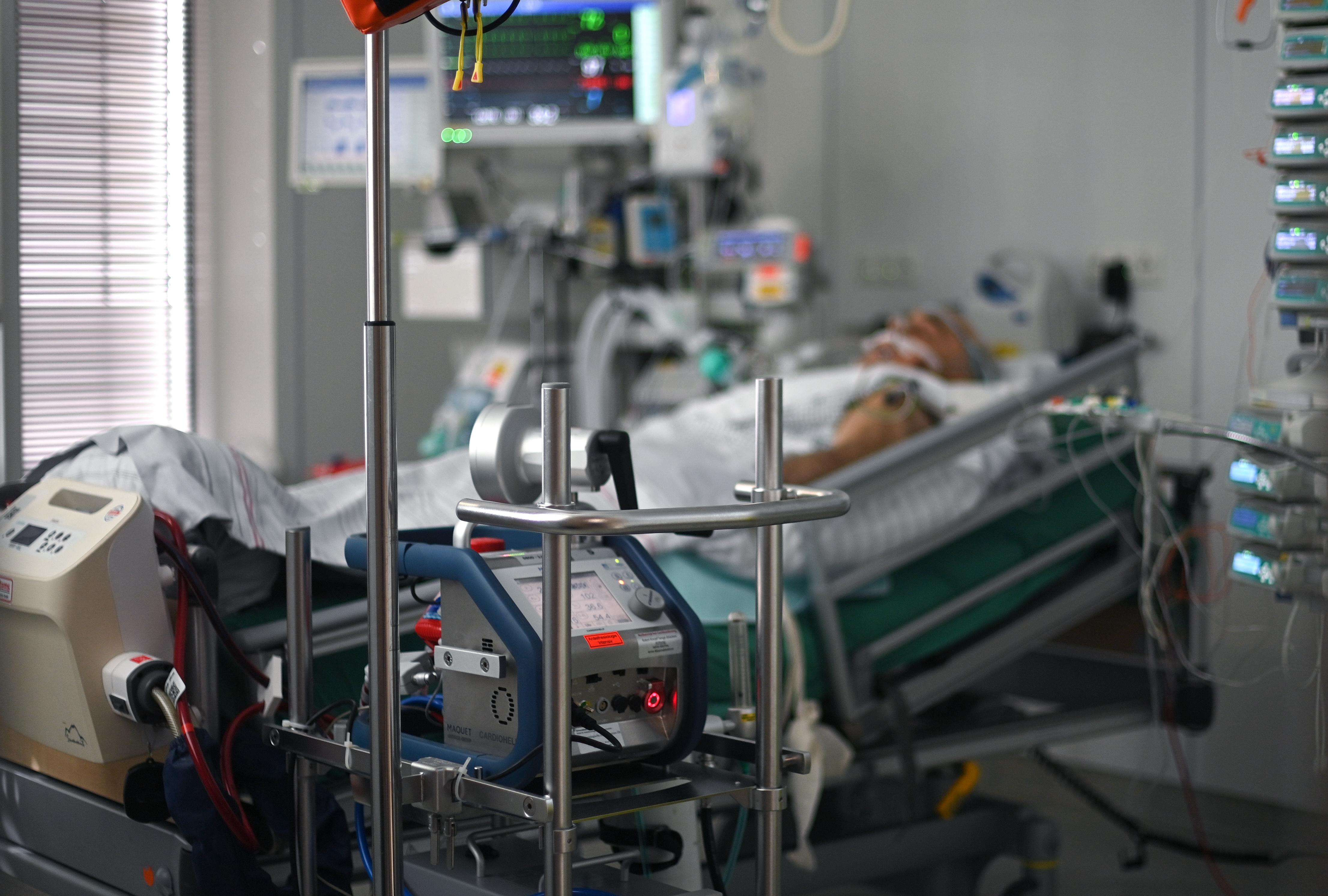 Mit vigyél magaddal a kórházba, ha koronavírusos vagy, vagy csak be kell feküdnöd a járvány idején?