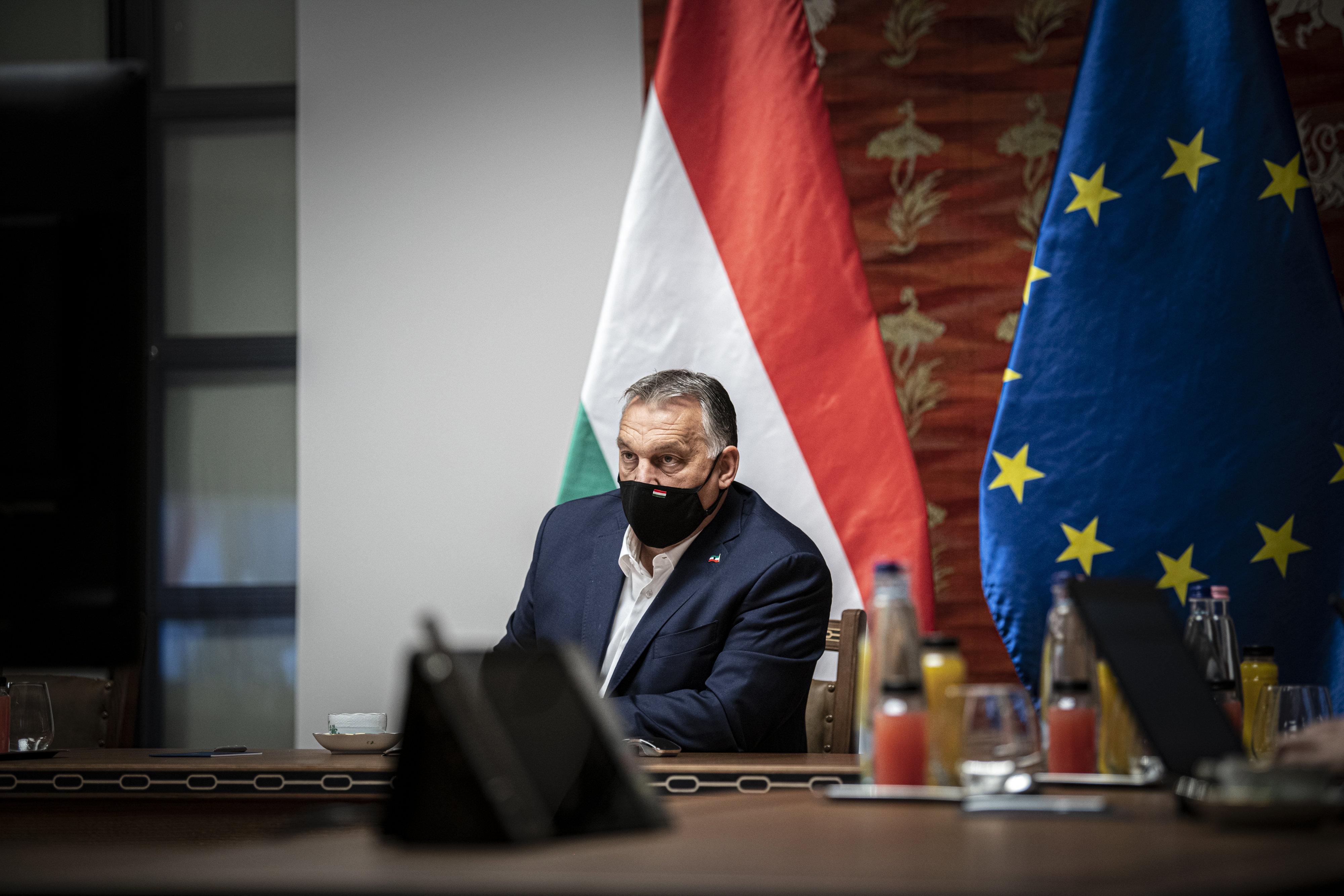 Ellenzék: Orbán vétója nem szól másról, mint a baráti körének anyagi biztonságáról