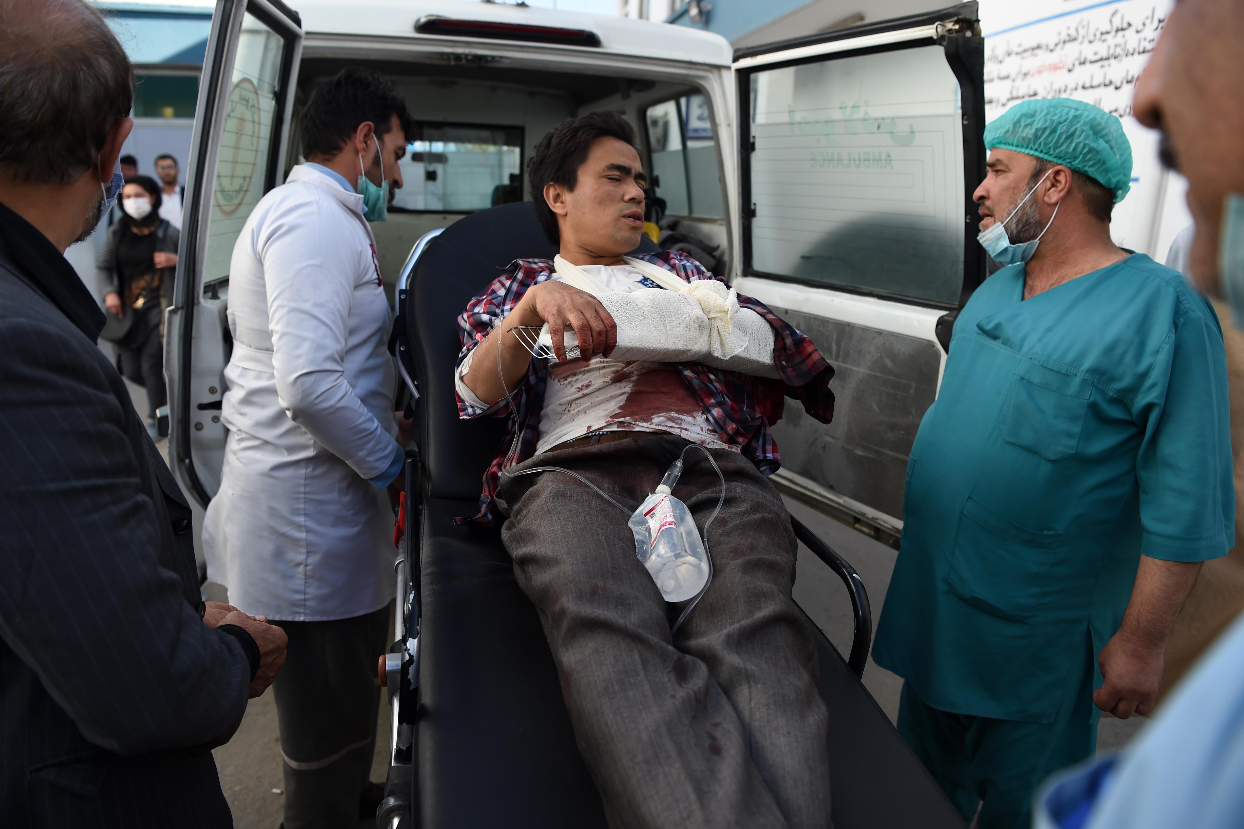 Fegyveresek rontottak be a kabuli egyetemre, legalább tíz diák halt meg