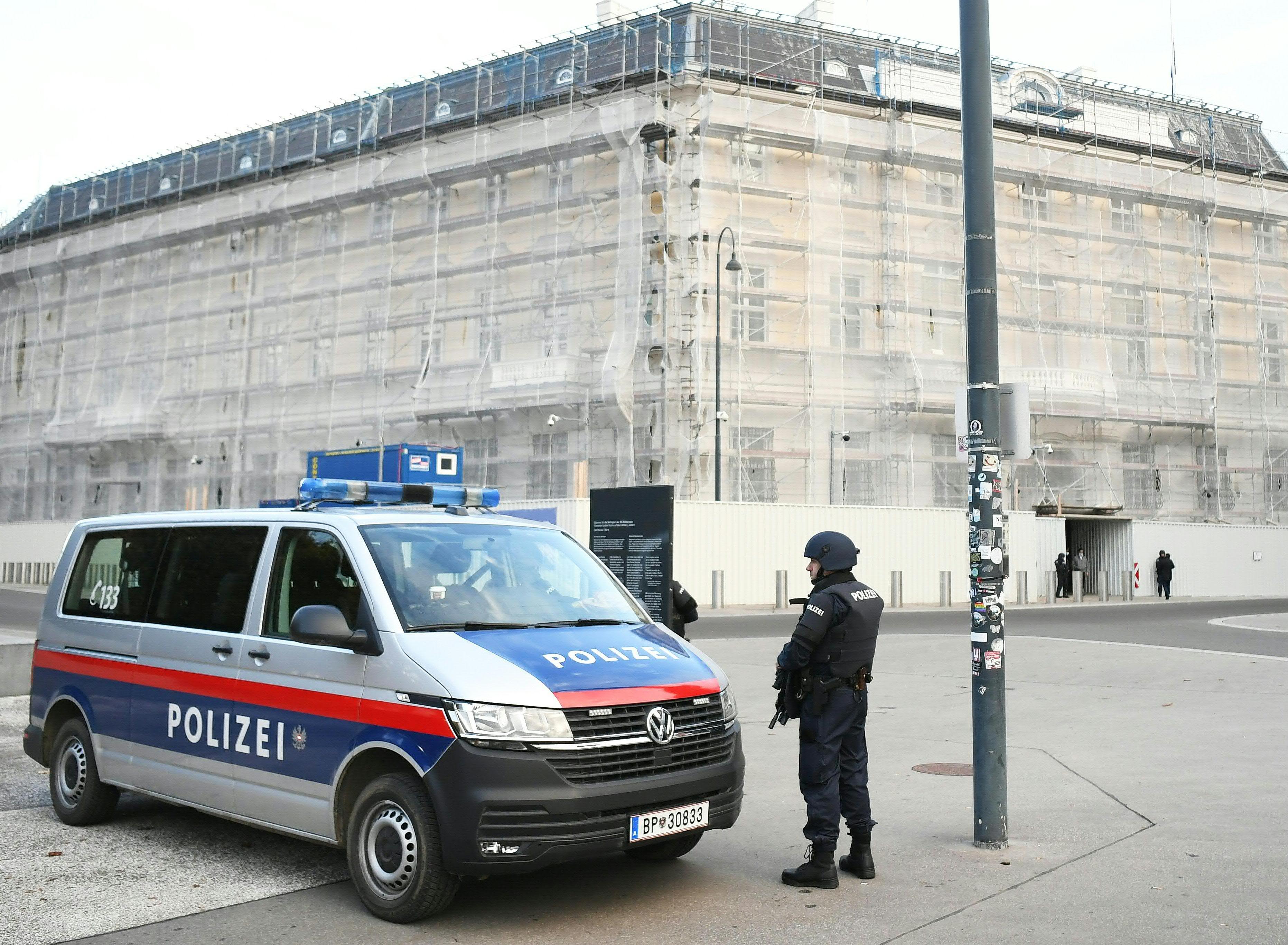 Az osztrákok élethosszig tartanák fogva azokat a terroristákat, akik nem adják fel a szélsőséges nézeteiket