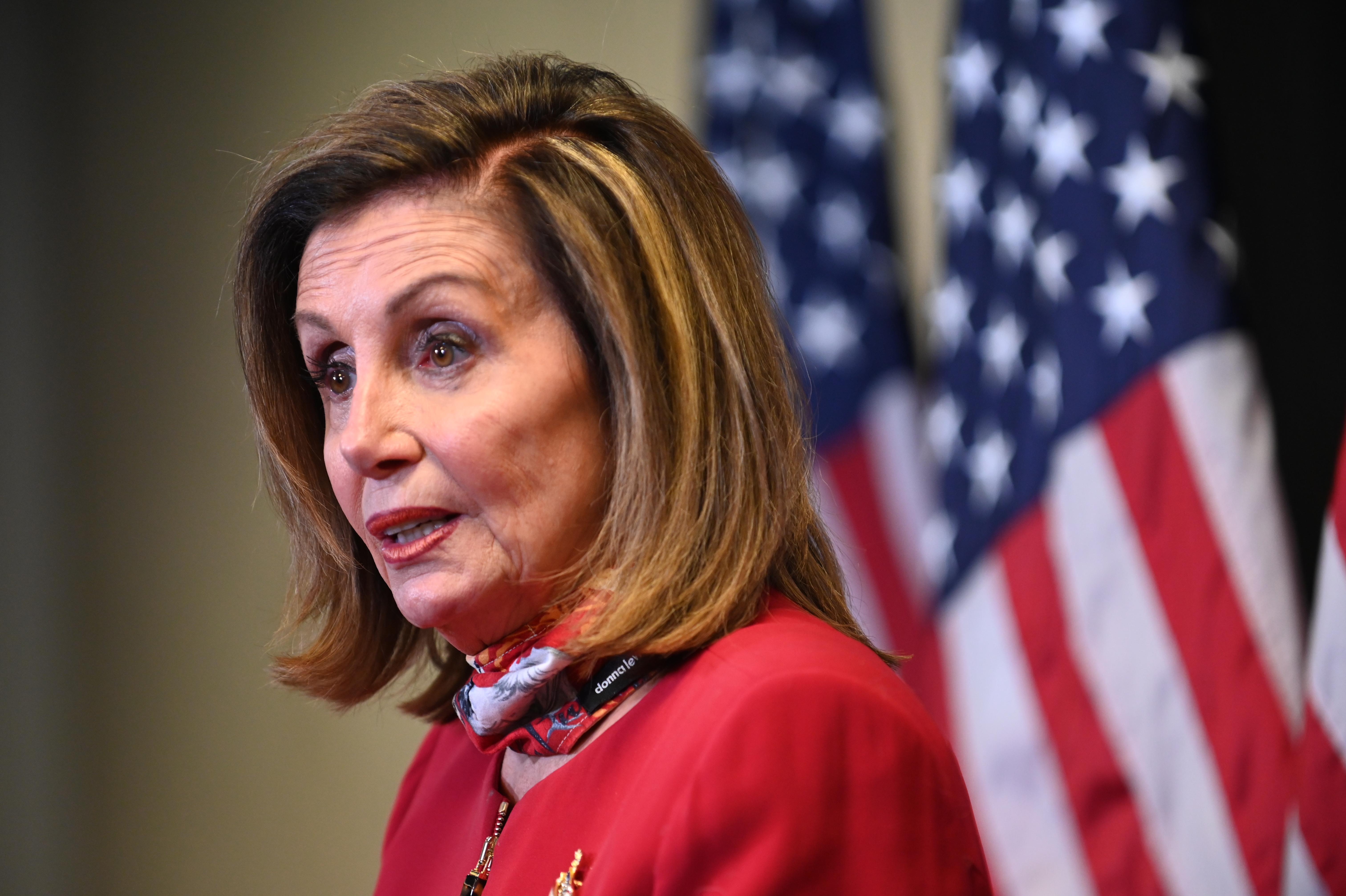 Nancy Pelosi: Az alelnök váltsa le Trumpot a 25. alkotmánykiegészítés alapján, vagy jöhet az újabb impeachment