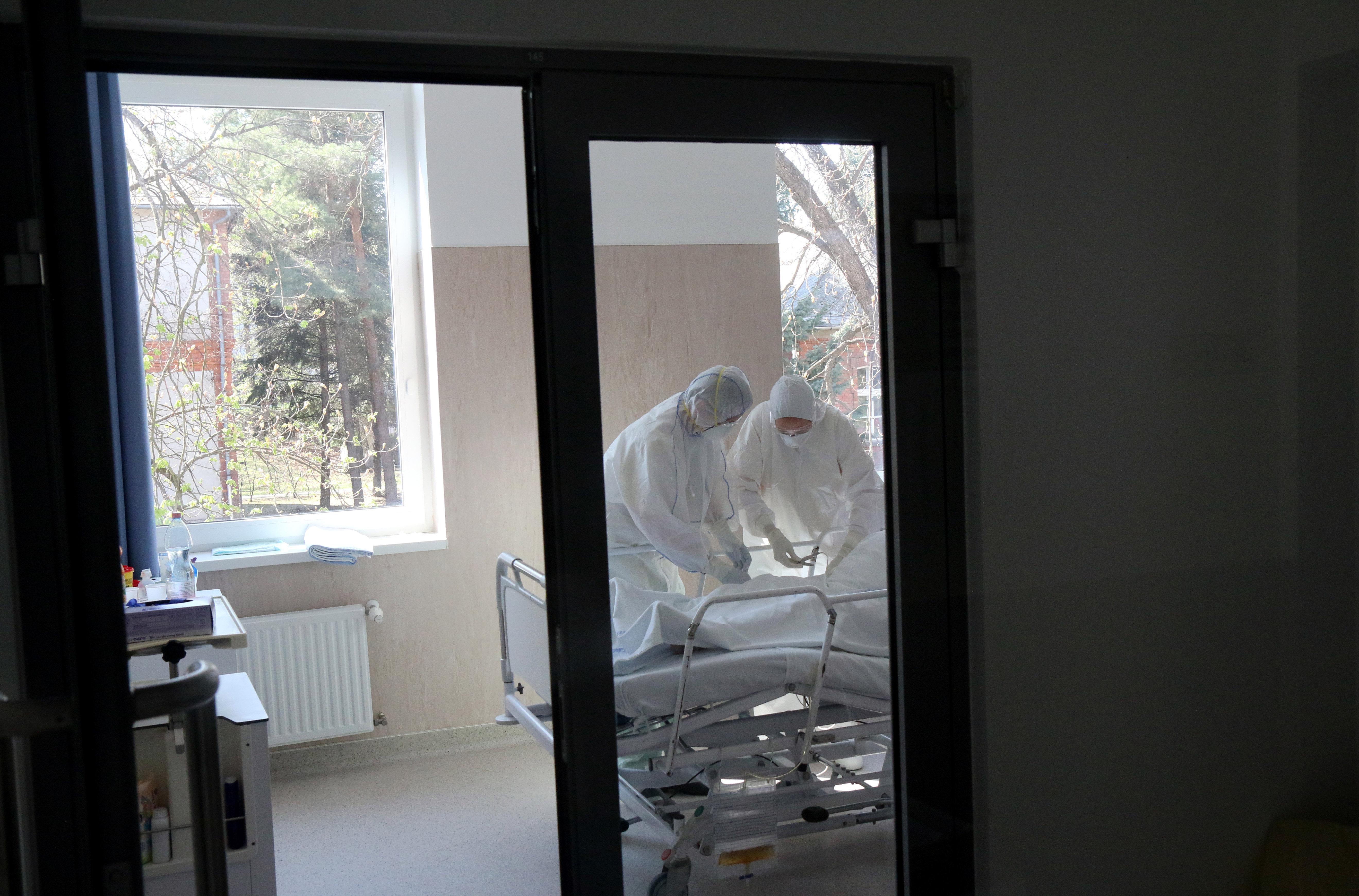 Nem fogadnak fertőzötteket Miskolcon, a borsodi betegeket is Egerbe viszik