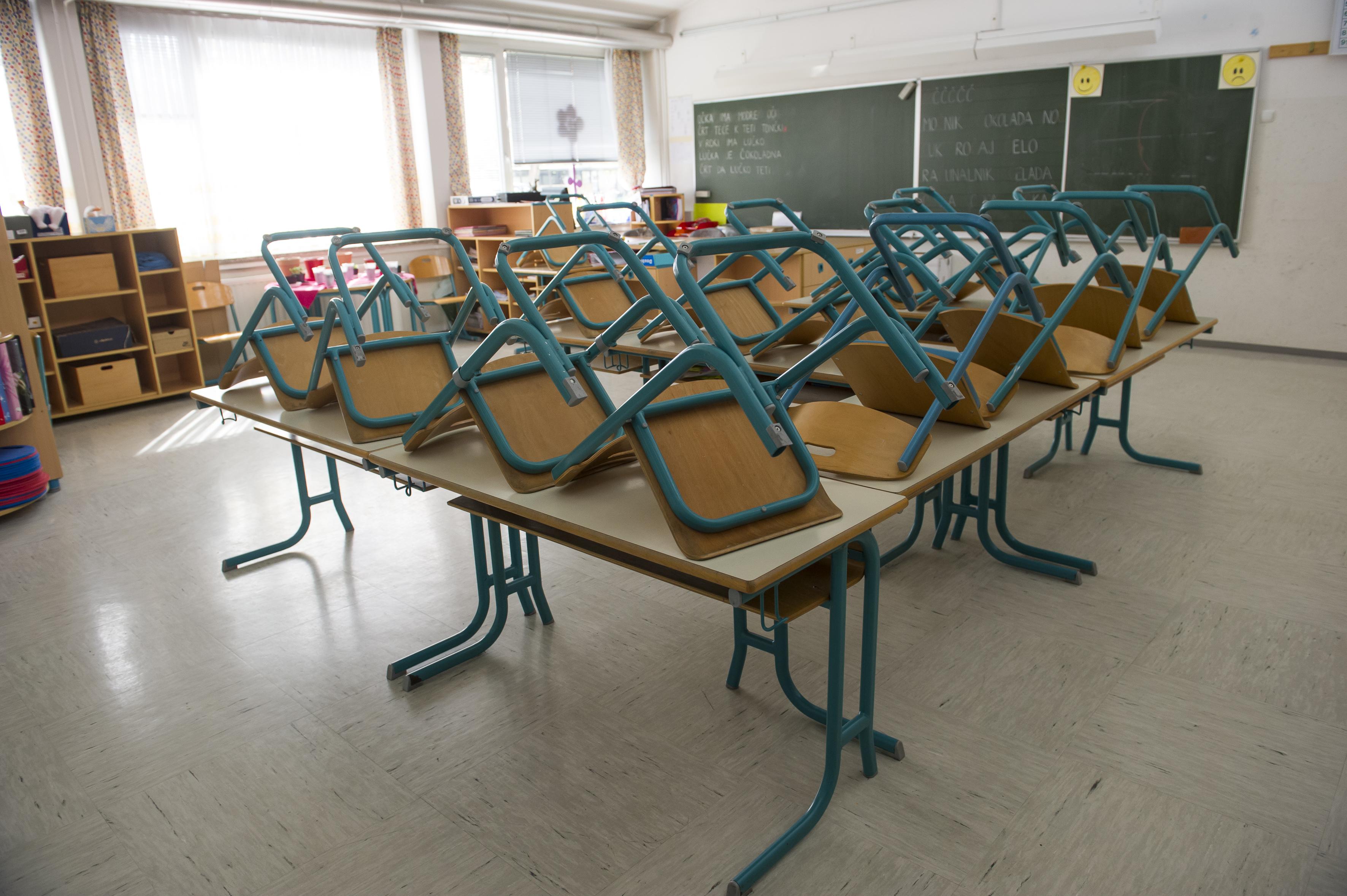 Szlovéniában az általános iskolákban is átállnak a digitális oktatásra a járvány miatt