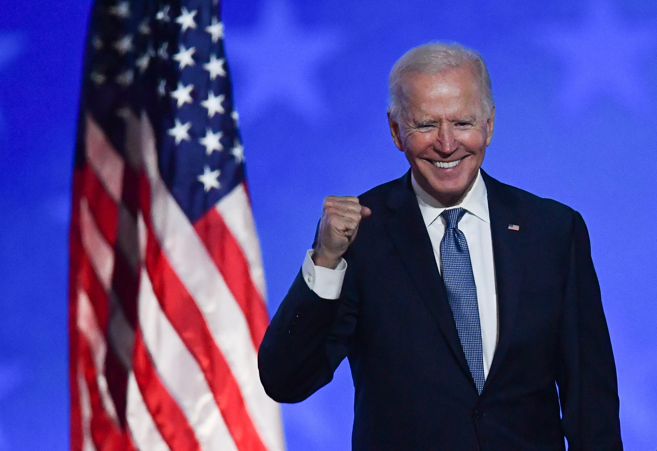 Biden válságot örökölt, több segélyt és zöldebb gazdaságot ígér