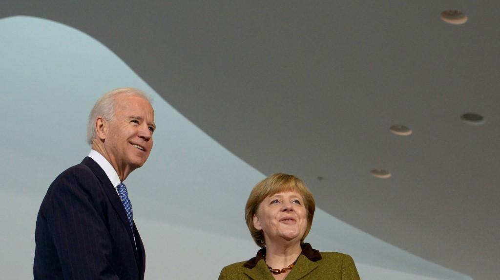 Biden stábja azt ígéri, hogy leleplezik majd a korrupt, illiberális vezetőket