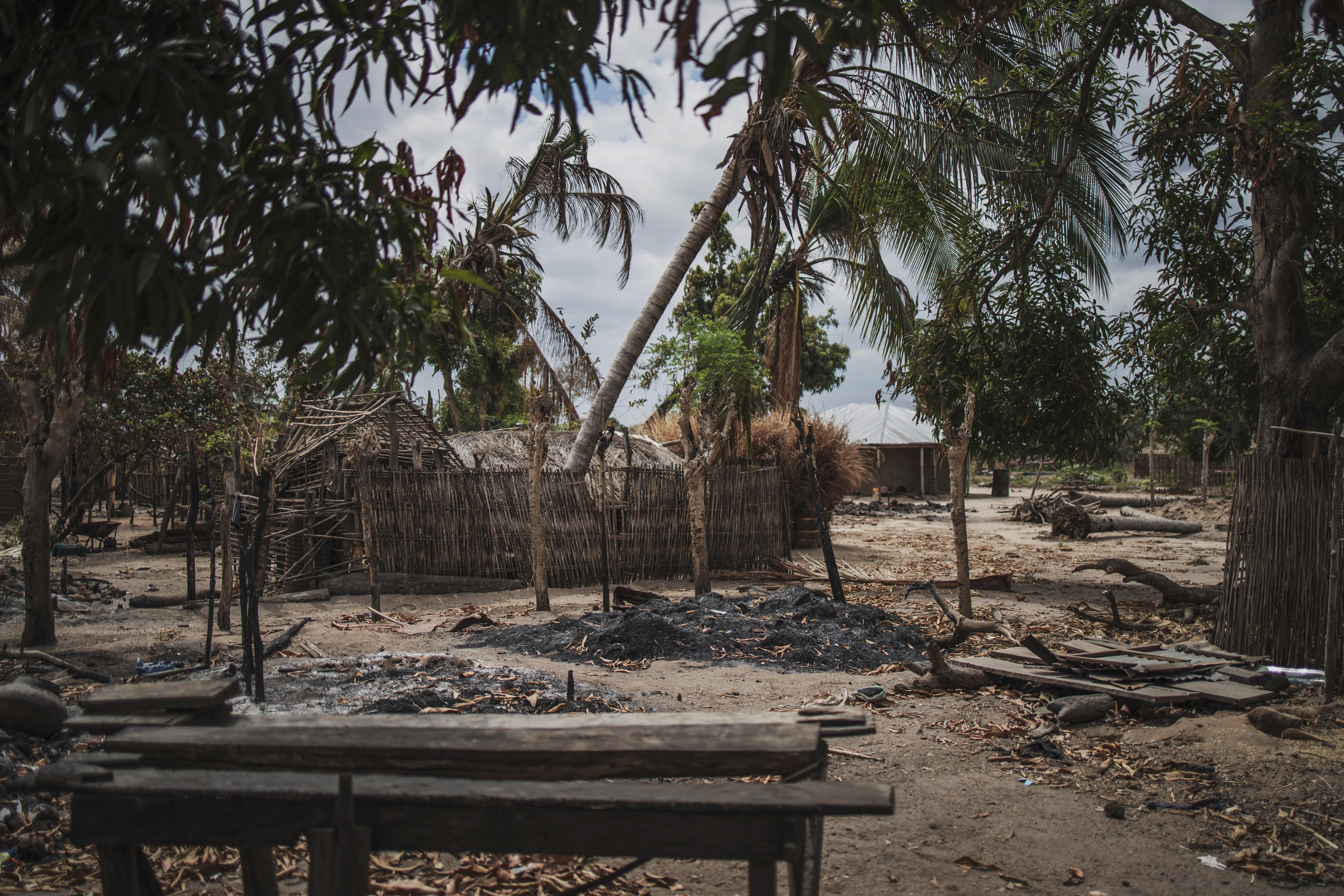 Iszlamista lázadók ötven embert fejeztek le Mozambikban egy focipályán