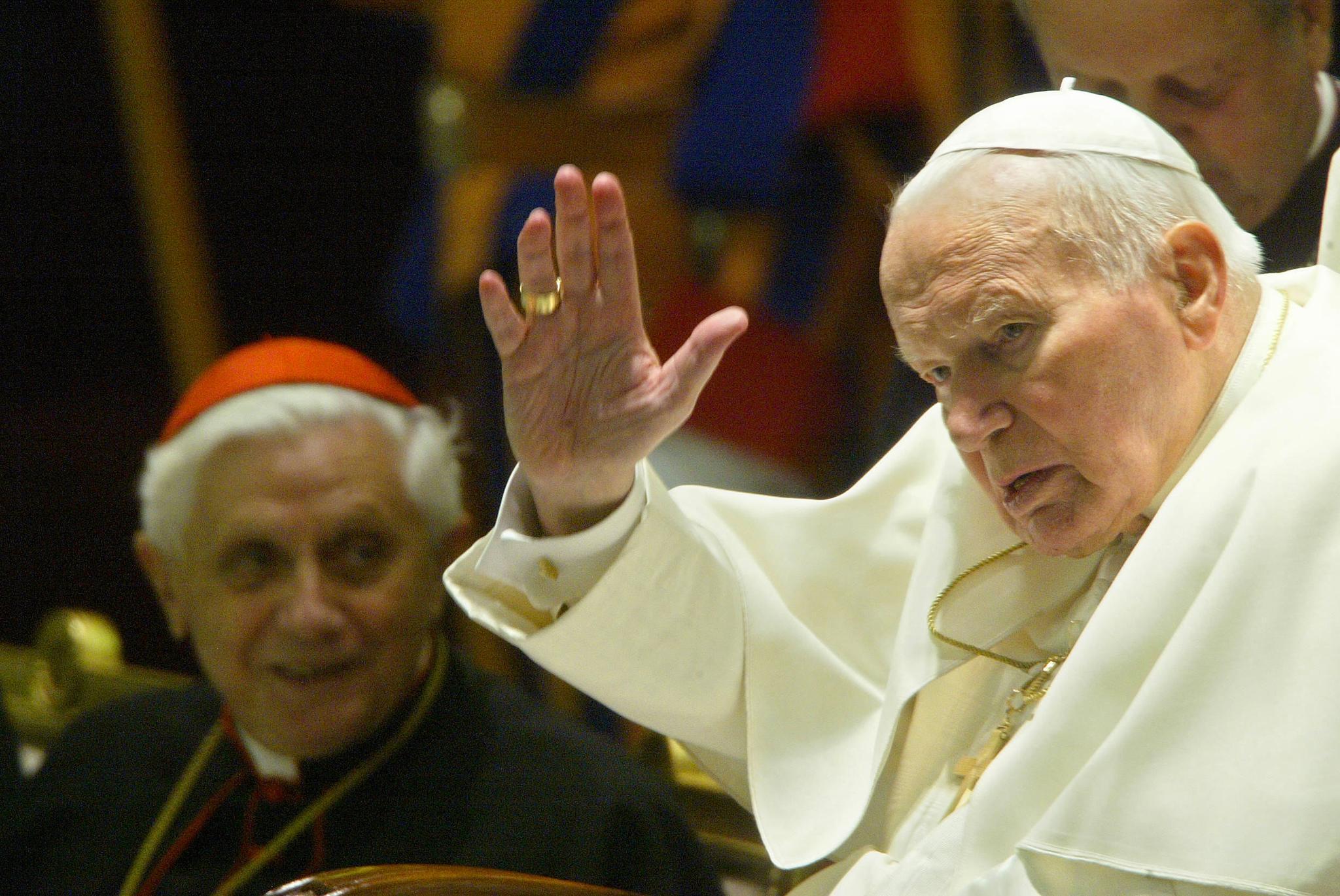 II. János Pál és Benedek pápa is tudott a bíboros zaklatási ügyeiről, de nem indítottak vizsgálatot