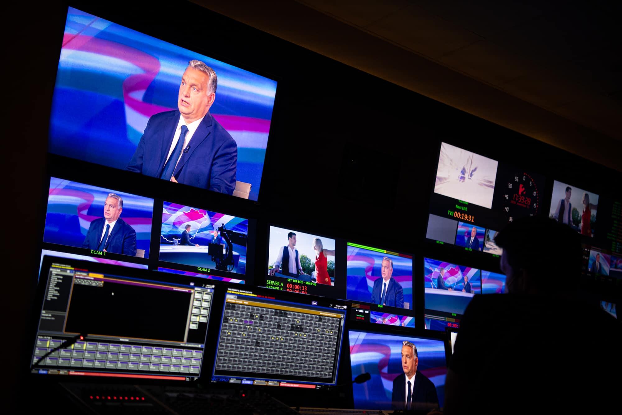 Kedden Orbán szerint még csak 50 százalék esélye volt, hogy az egészségügy kibírja a strapát, ma már 99,9 százalék