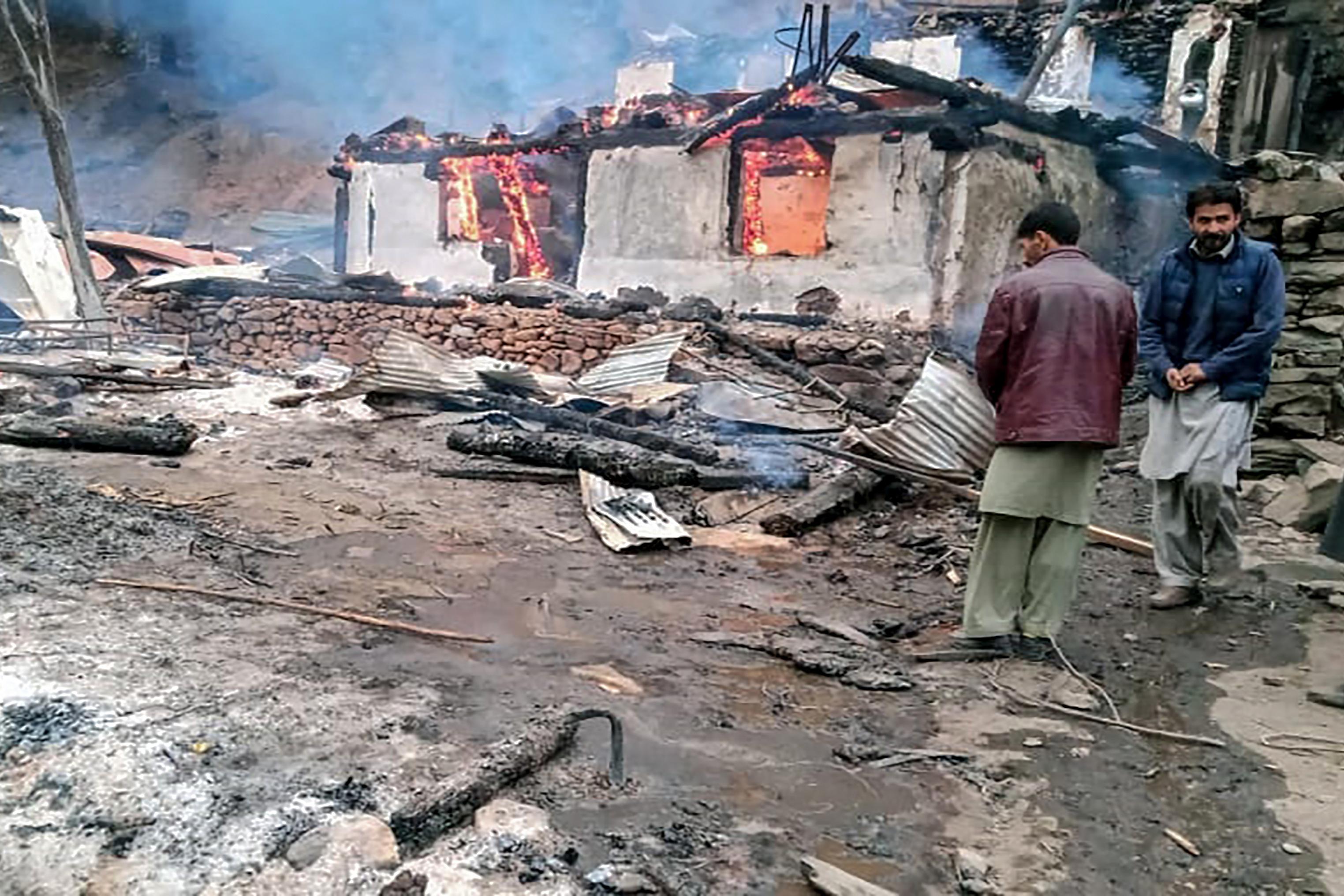 Több civil is meghalt az indiai és a pakisztáni határőrök közötti tűzpárbajban