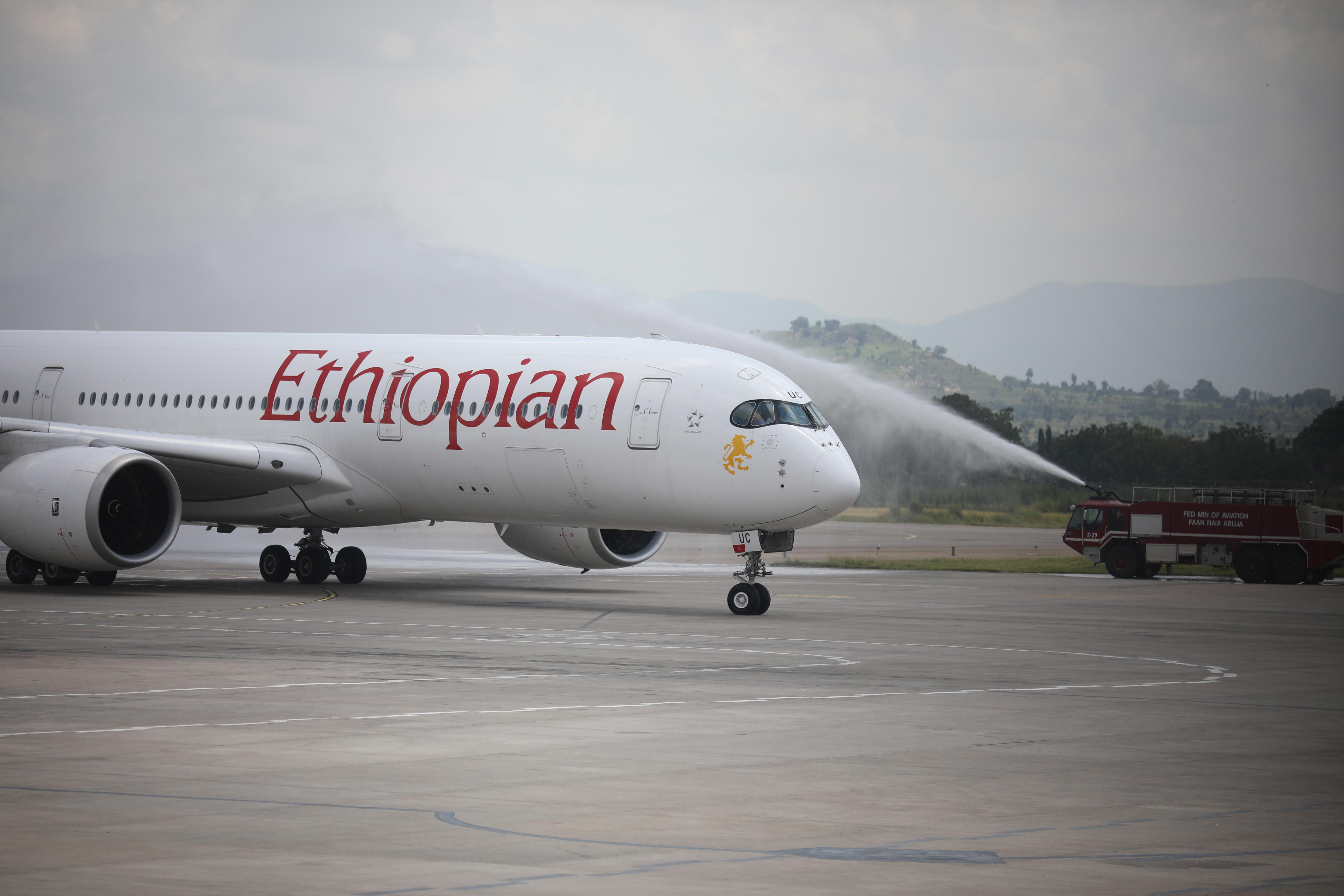 Rakéták csapódtak két repülőtérbe Etiópiában