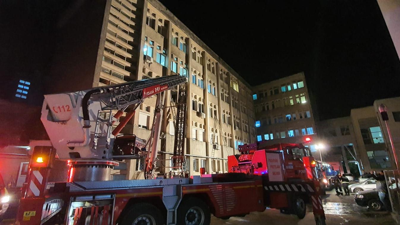 Belgiumba szállították a román orvost, aki a lángokban álló kórteremből próbálta meg kimenteni a betegeit