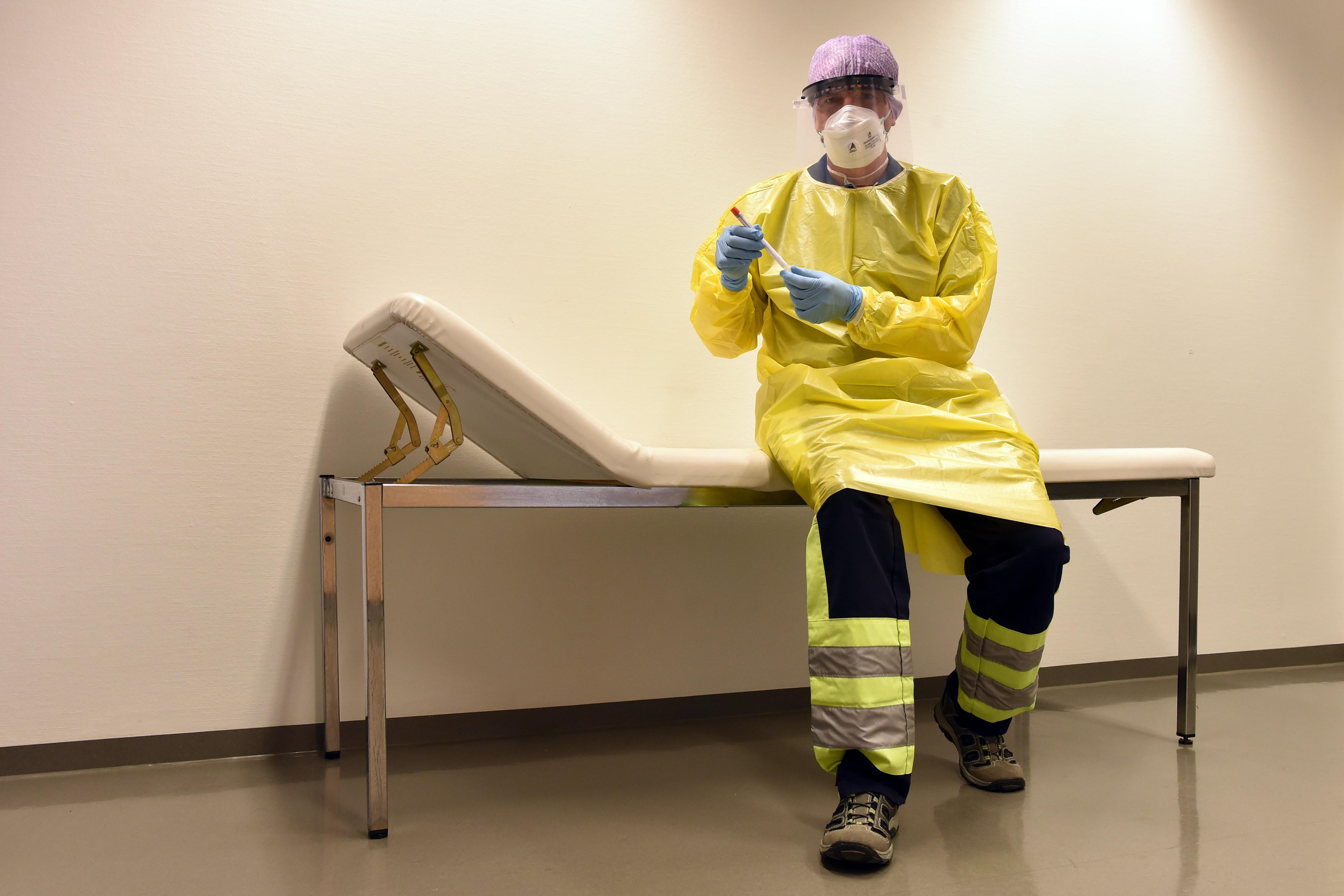 Egy ír kutatás szerint a felgyógyult betegek fele még heteken át tartó fáradtságot érez a koronavírus után