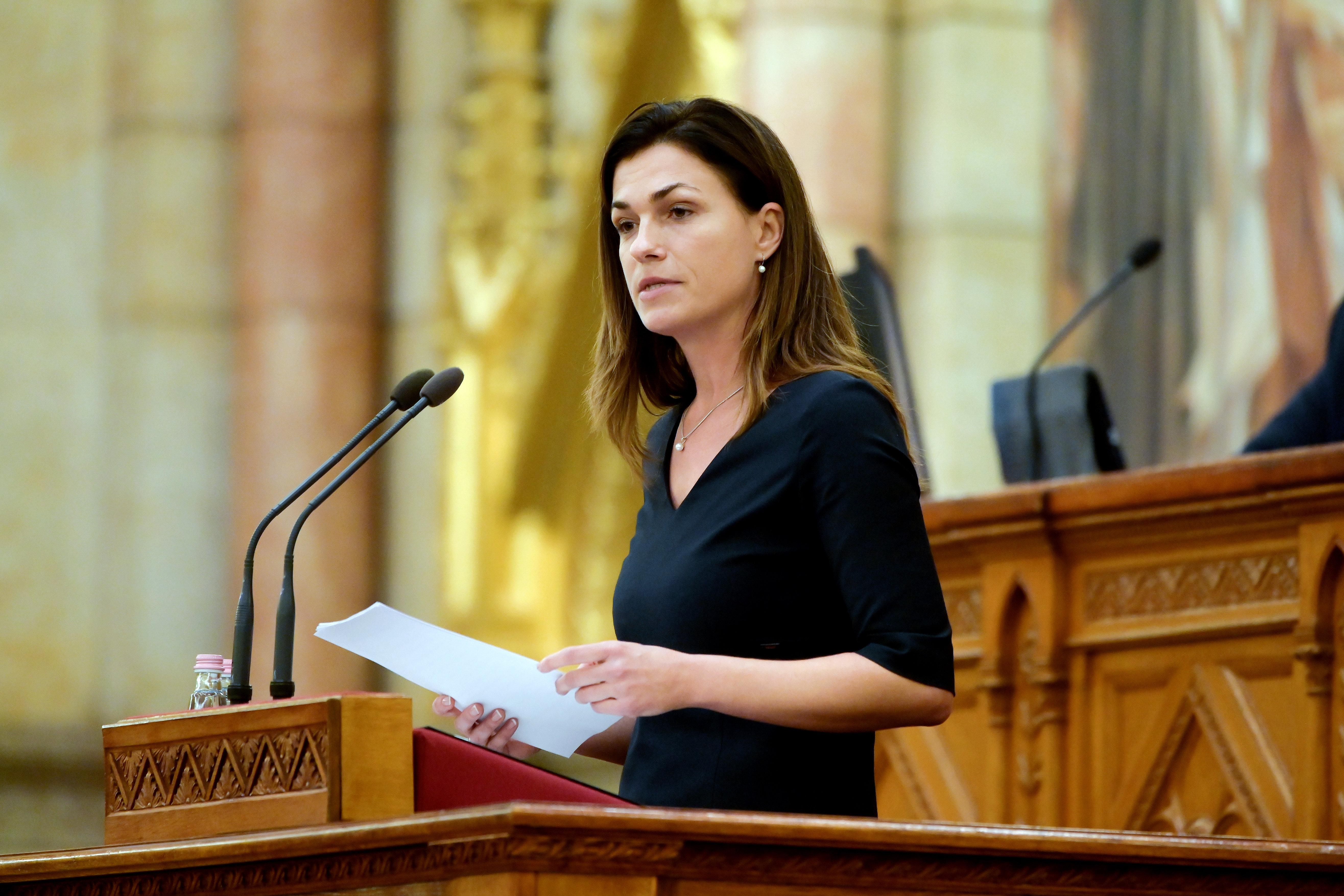 A francia napilap szerint Varga Judit igenis ki akart húzatni egy kérdést és választ az interjúból