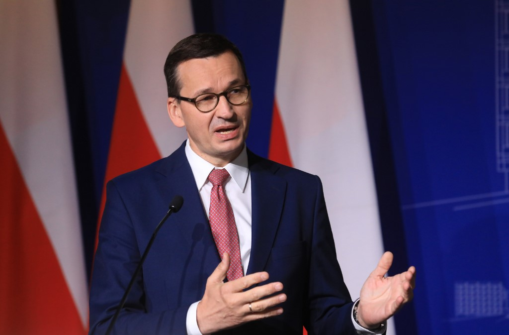 A lengyel kormány törvénnyel előzné meg a facebookos letiltáshullámot