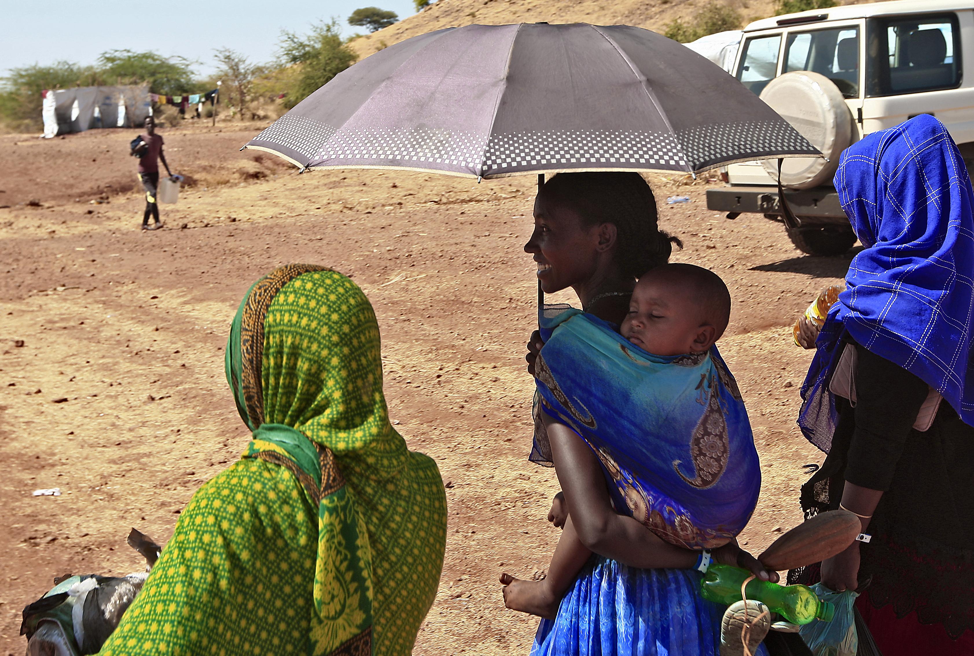 Ezrek menekülnek a káosz elől Etiópia északi részén