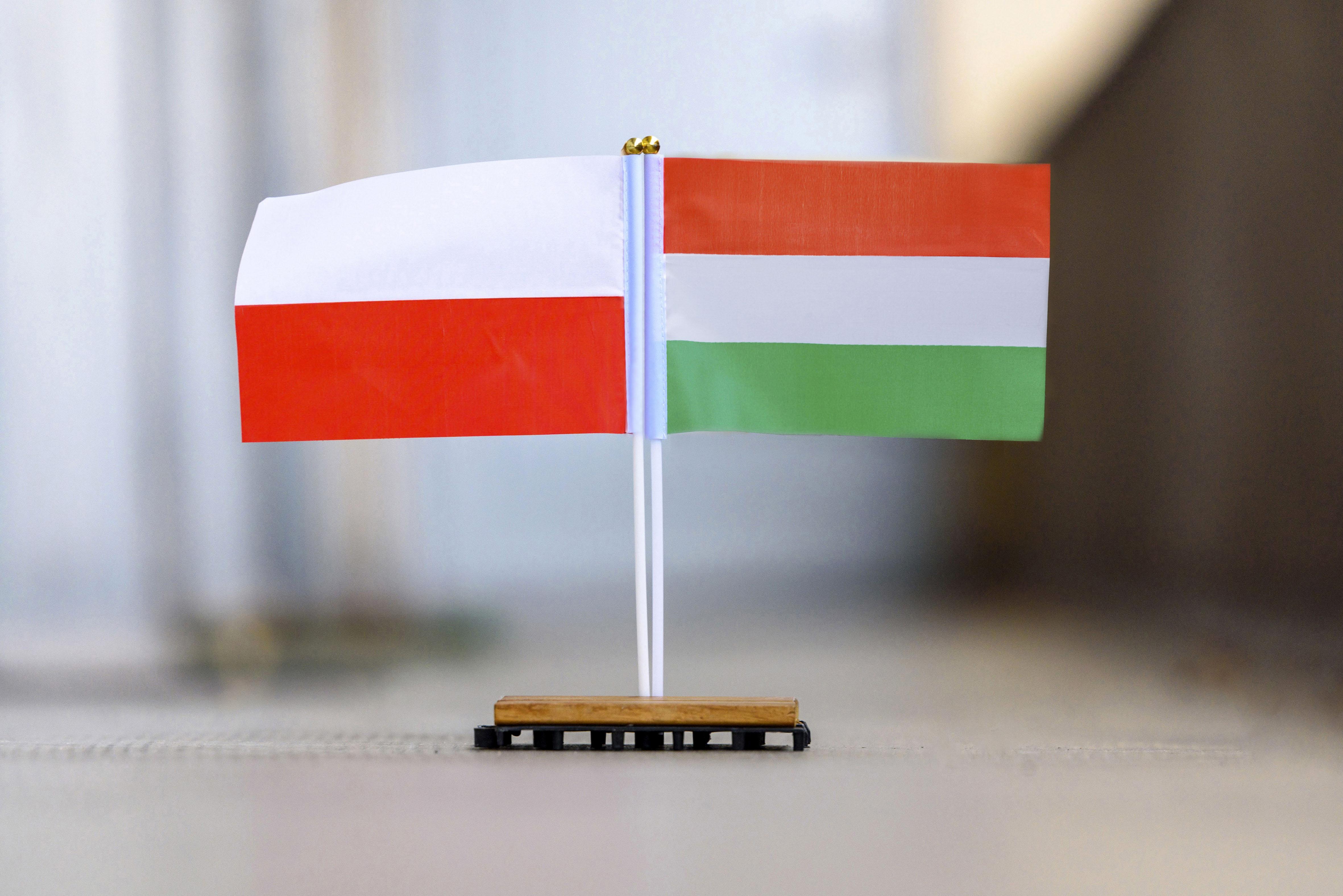 Magyarország és Lengyelország is ellenzi a G7-ek globális társasági minimumadótervét