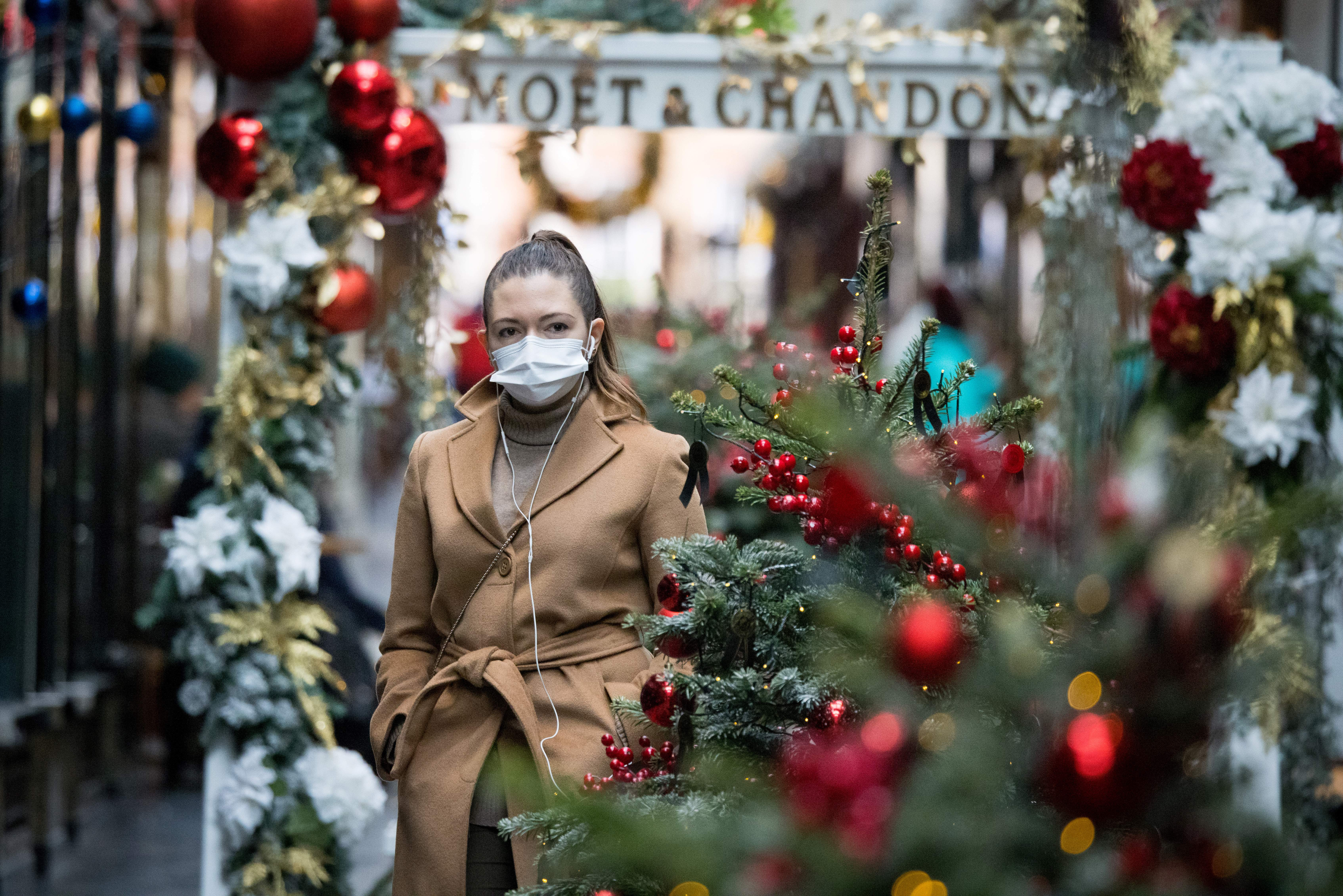 Európa csak félszívvel merte beáldozni a karácsonyt a koronavírus elleni harcban