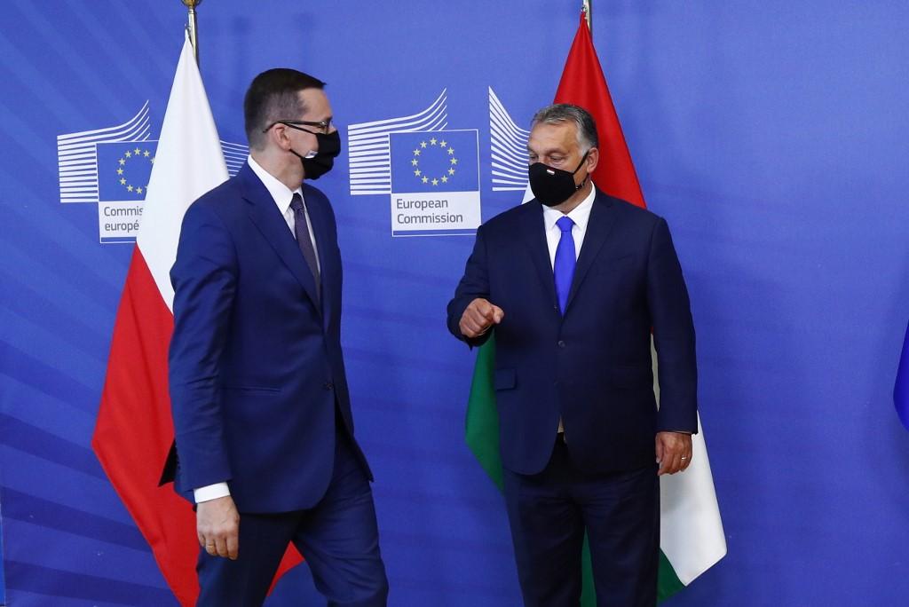 A lengyelek készek feladni az uniós költségvetés vétóját