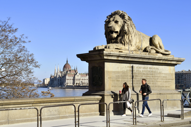Jövő tavaszra állhat helyre a turizmus Budapesten
