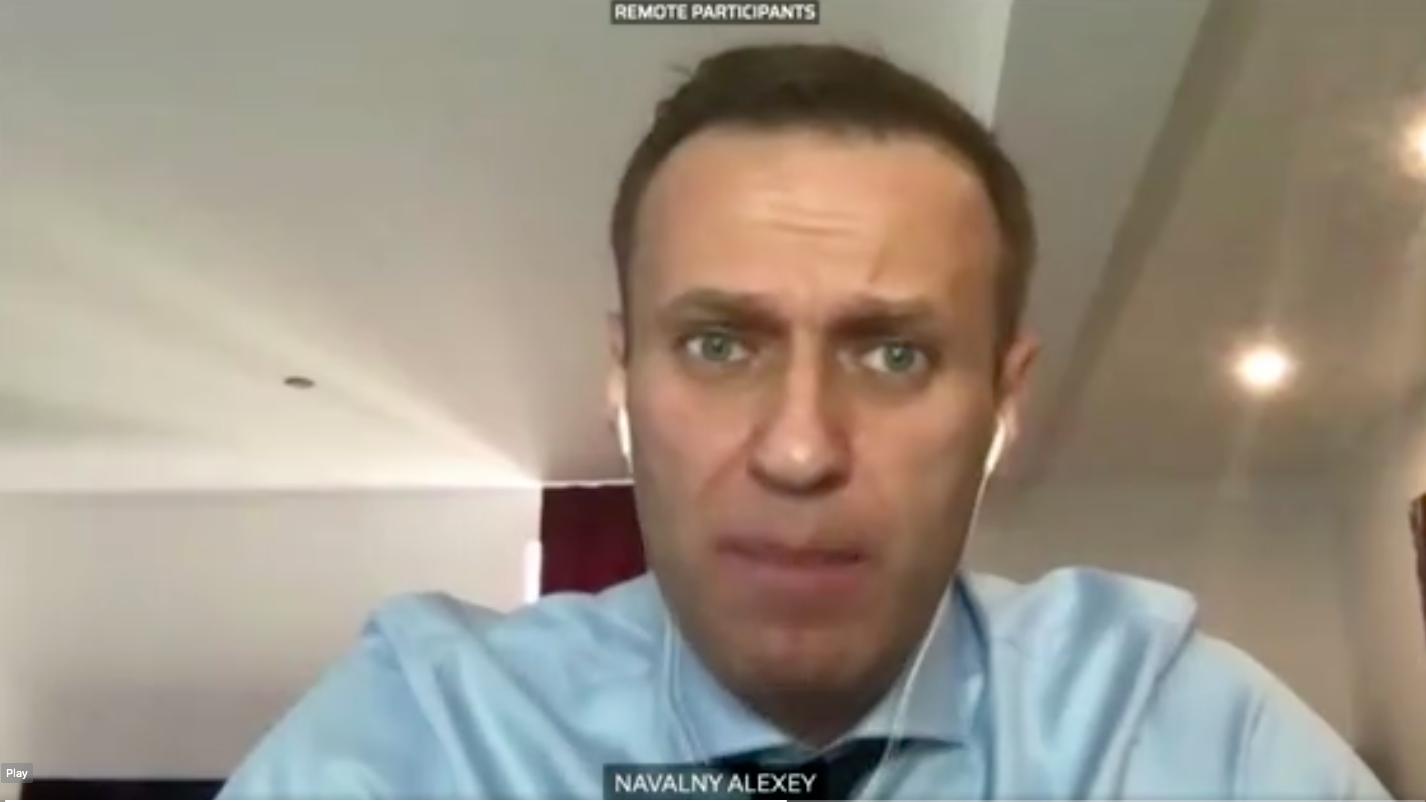 Az Uniónak rá kéne szállnia Putyin bűnöző barátaira, az orosz oligarchákra, javasolta Navalnij