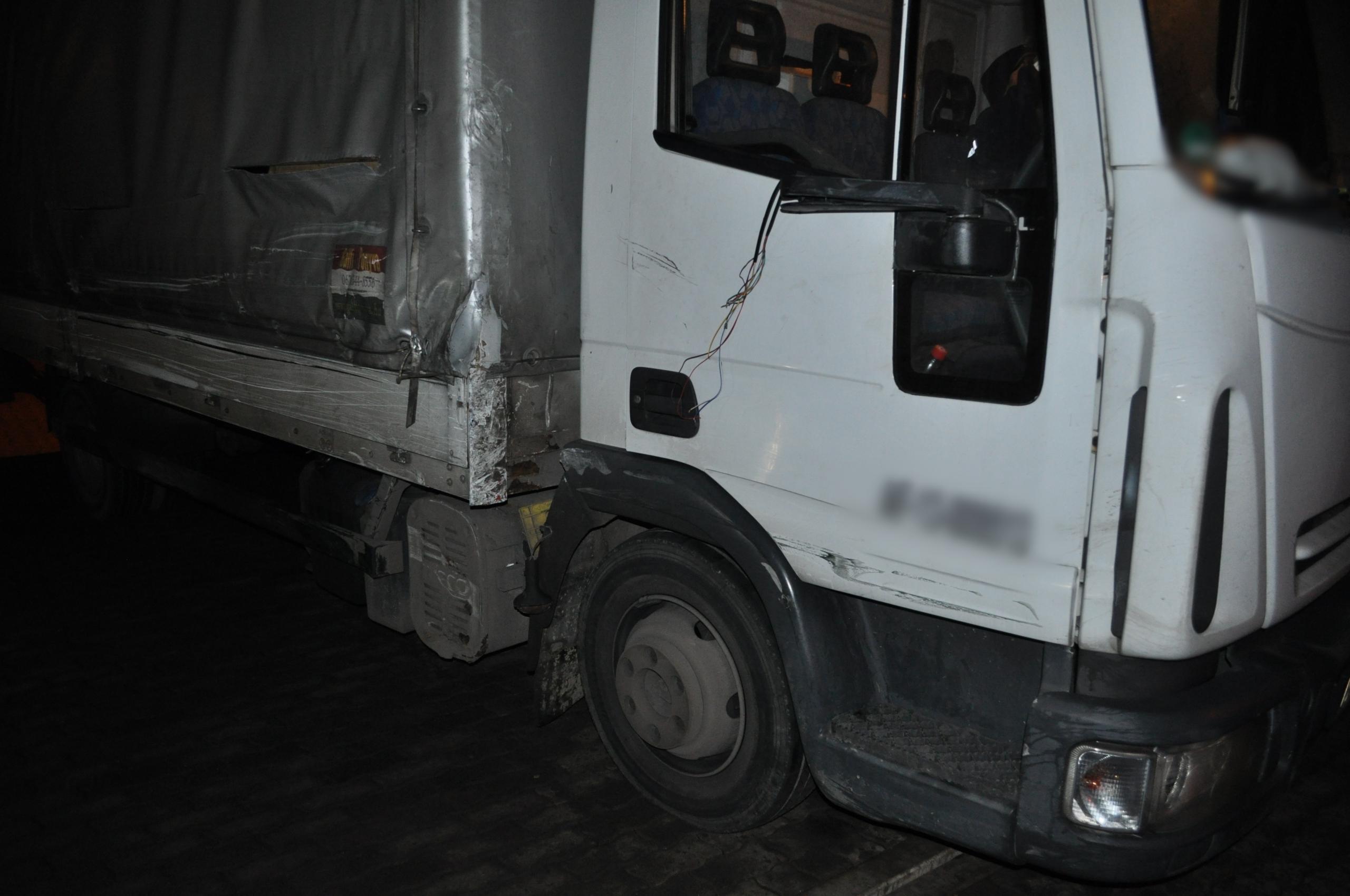 Az autópálya belső sávjában állt meg a részeg kamionos