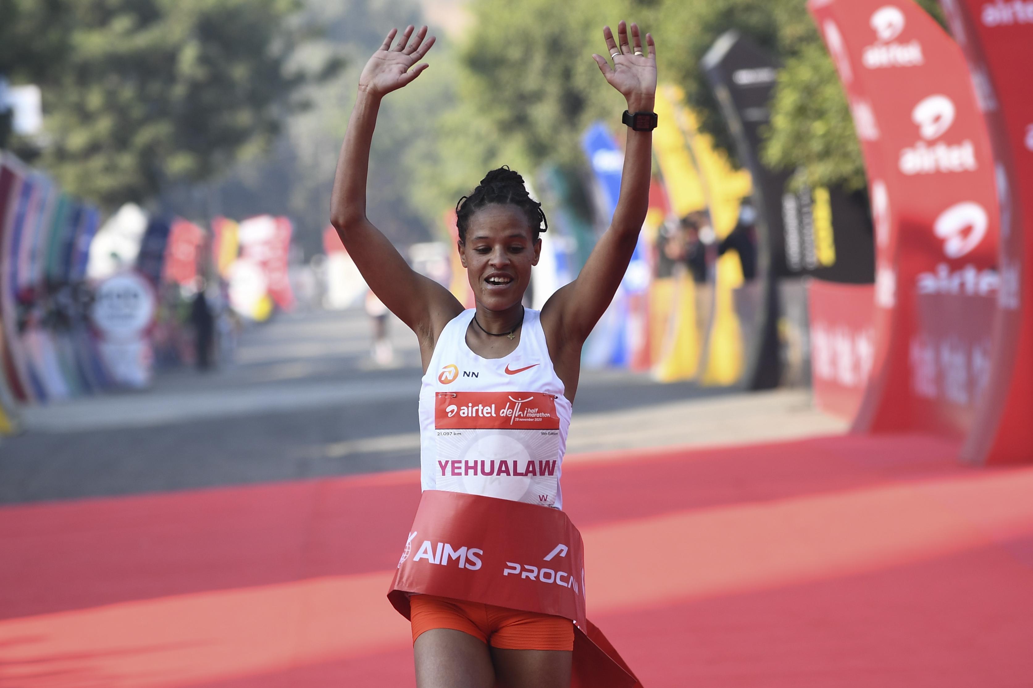 A valaha mért második legjobb női félmaratoni eredményét futotta Yalemzerf Yehualaw