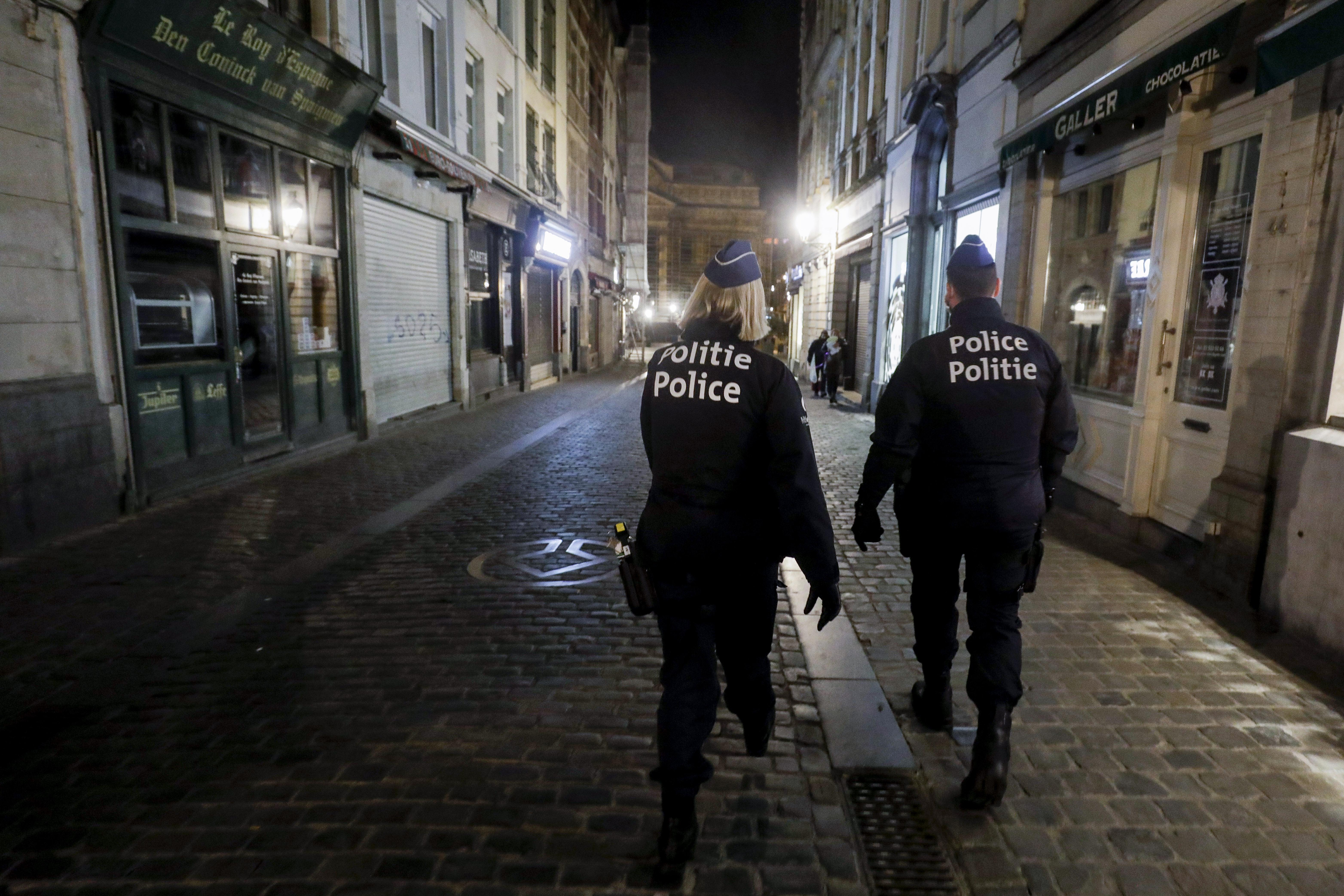 A belga rendőrség most egy 52 fős szexpartin ütött rajta egy Covid-klinika mellett